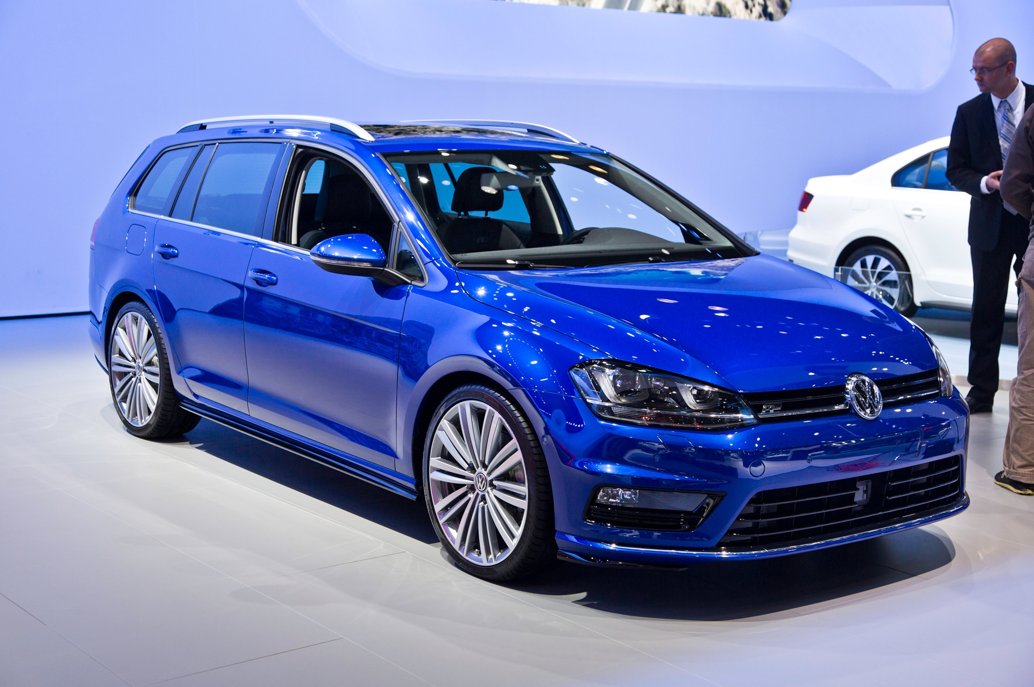 awd confirmed for volkswagen golf wagon expected to outsell hatchback. Black Bedroom Furniture Sets. Home Design Ideas