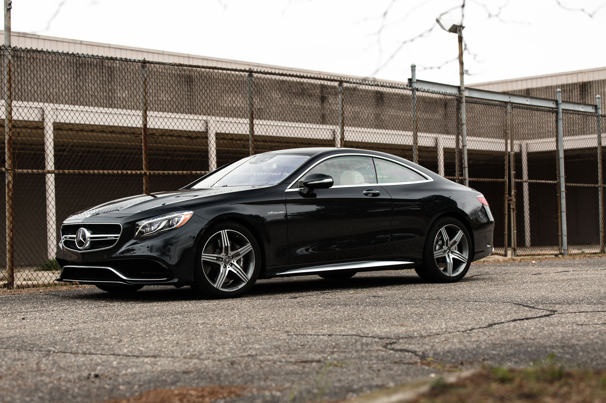http://st.automobilemag.com/uploads/sites/11/2014/12/2015-Mercedes-Benz-S63-AMG-4Matic-Coupe-front-driver-profile.jpg
