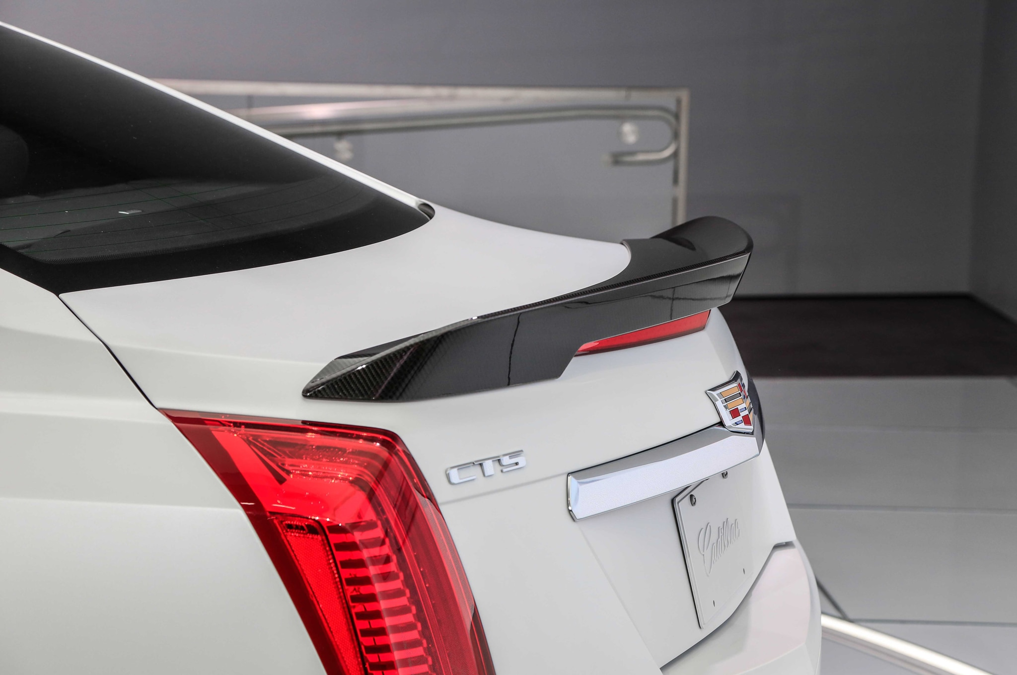 2016 cadillac cts v debuts at detroit auto show. Black Bedroom Furniture Sets. Home Design Ideas