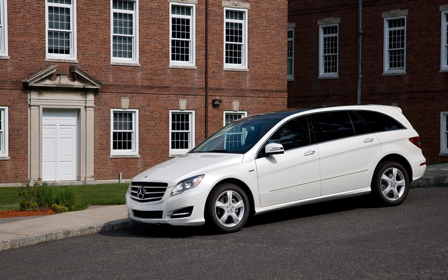 edison nj elizabeth sale car class mercedes linden westfield used benz county r in available union for