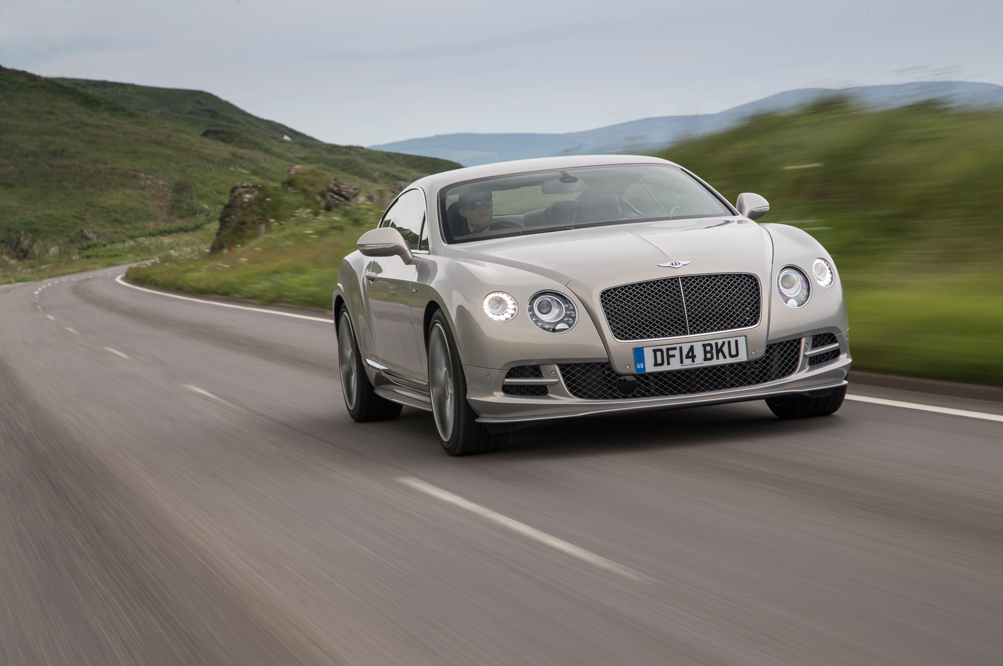 2015 bentley continental gt speed coupe front end in motion. Black Bedroom Furniture Sets. Home Design Ideas