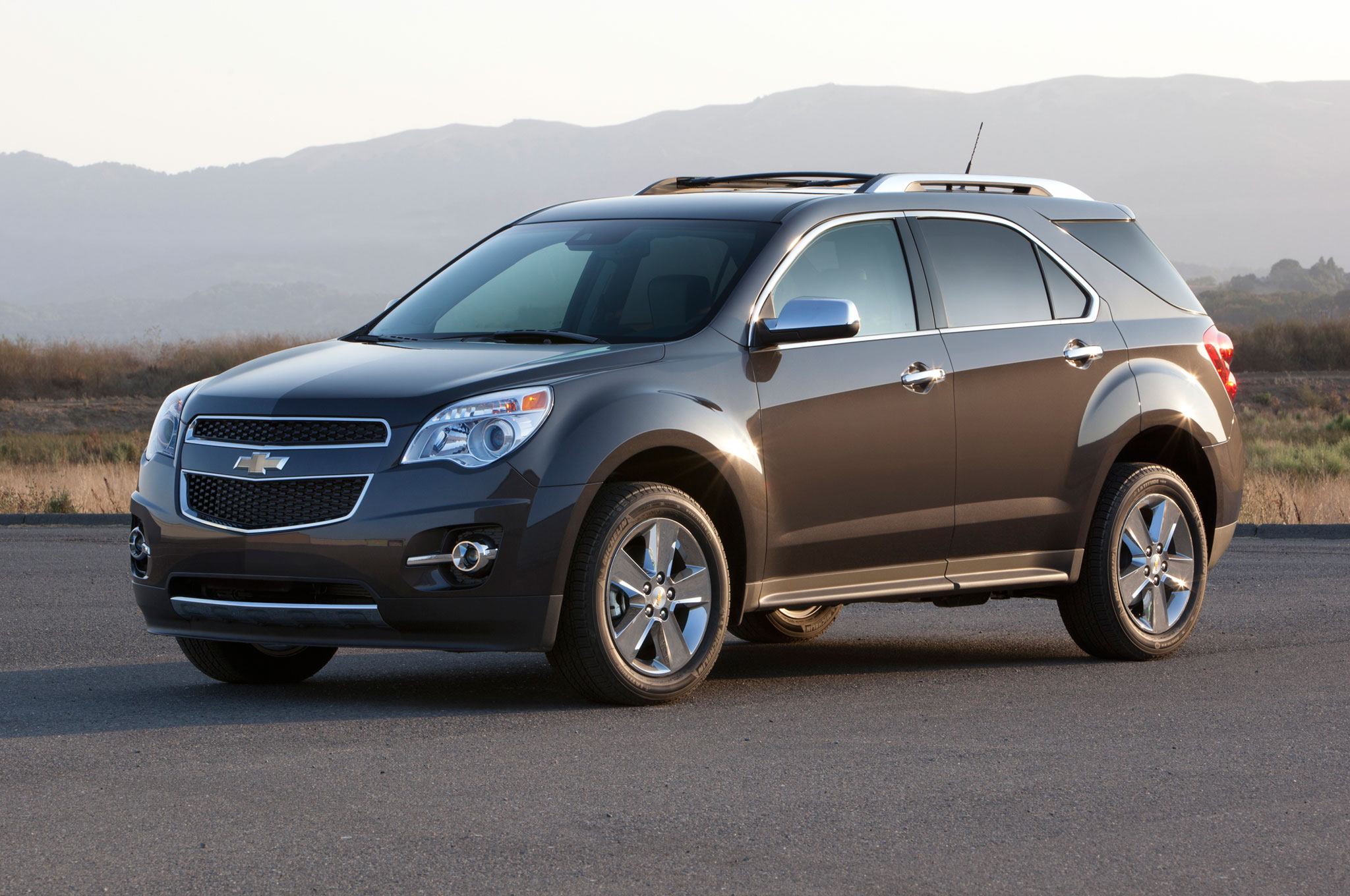 Gm december 2014 sales up 19 percent to finish the year winner chevrolet equinox fandeluxe Images