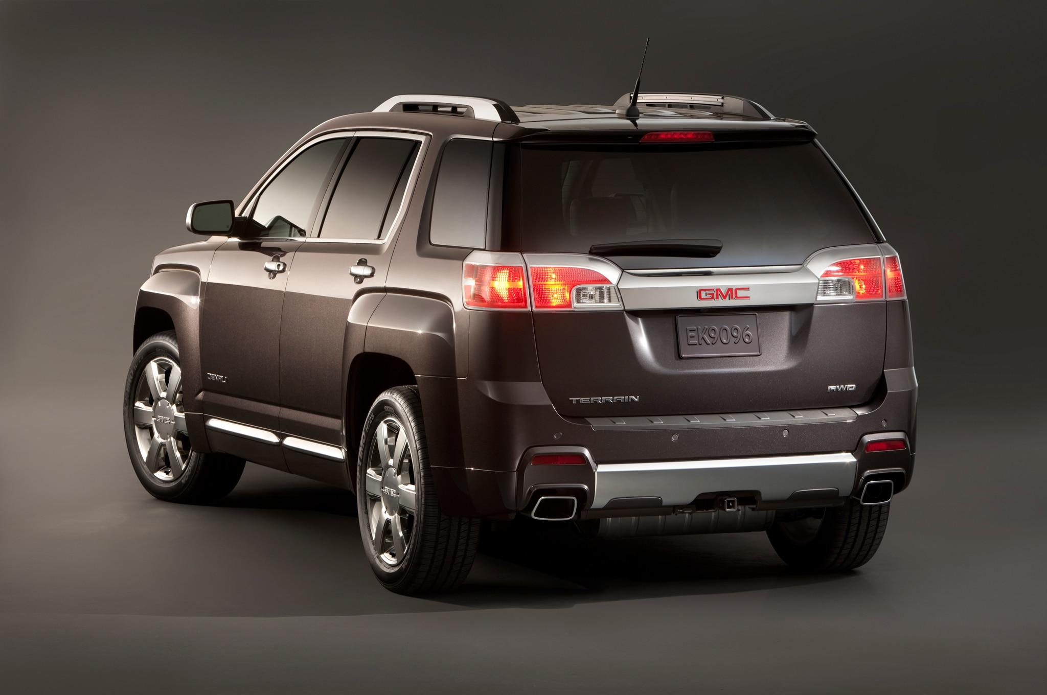 Chevy Traverse Mpg >> 2018 Chevrolet Traverse, GMC Terrain to Debut in Detroit: Report | Automobile Magazine