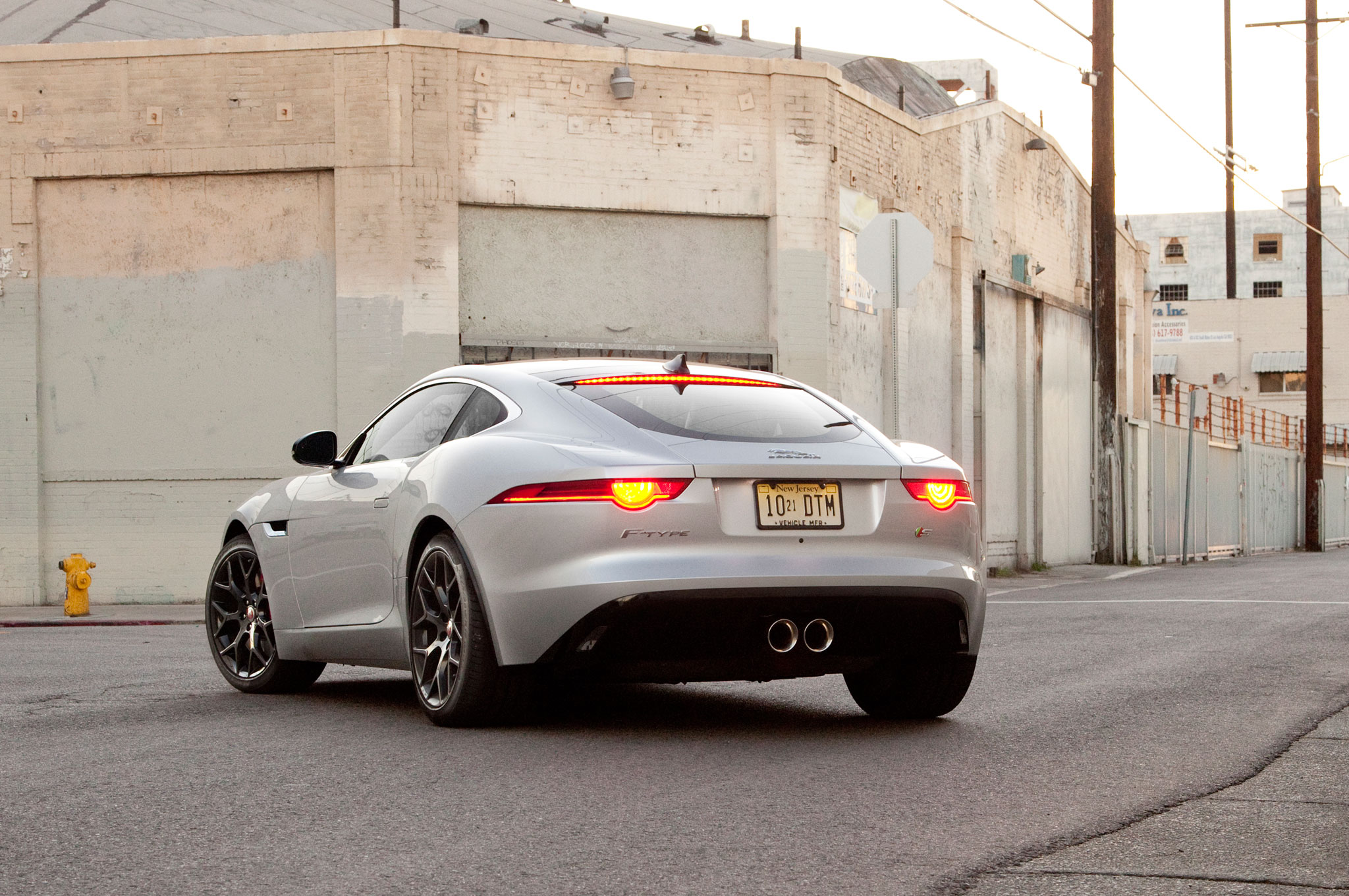 2015 jaguar f type s coupe who needs a v 8. Black Bedroom Furniture Sets. Home Design Ideas