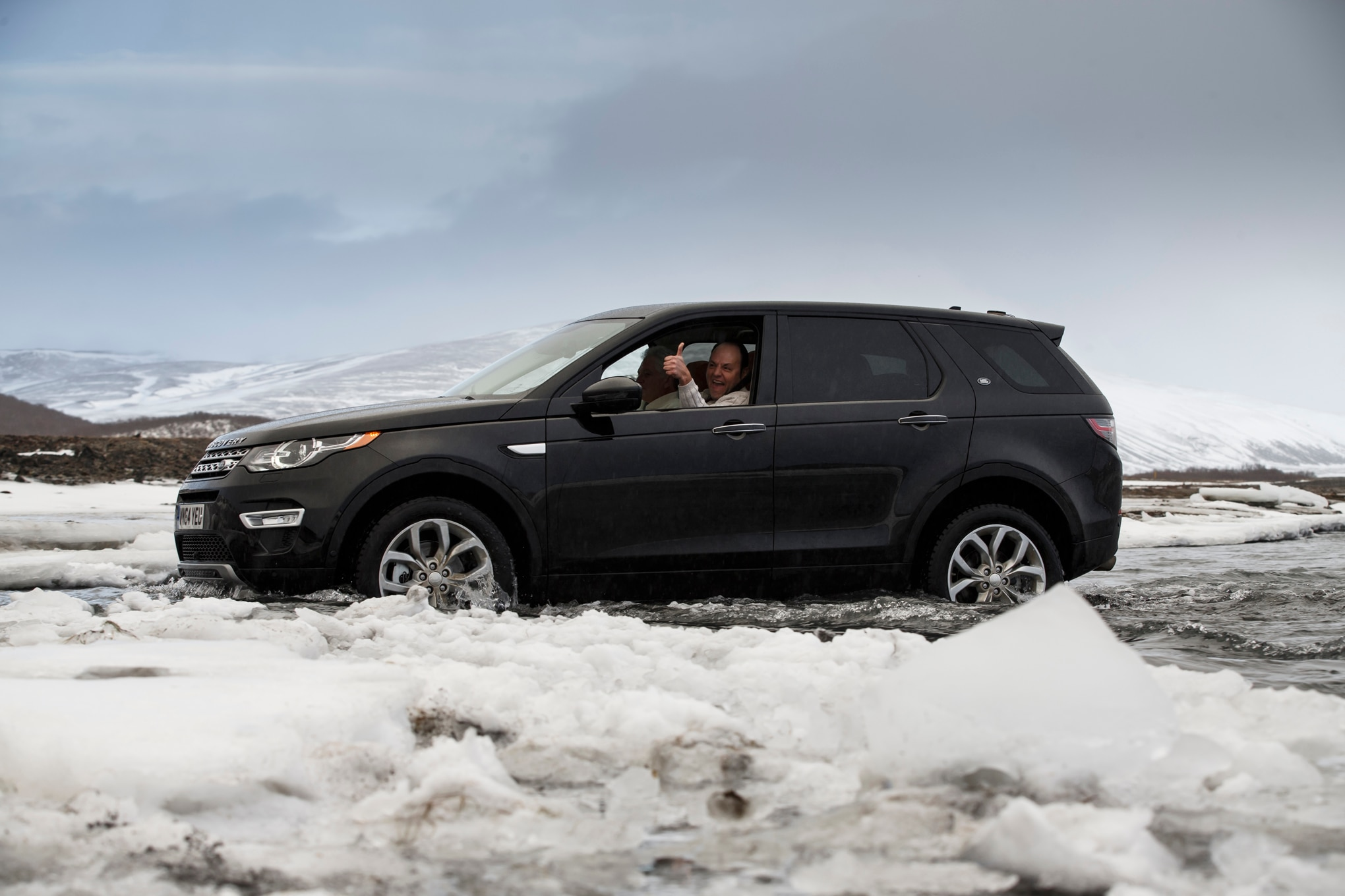 2015 land rover discovery sport review. Black Bedroom Furniture Sets. Home Design Ideas