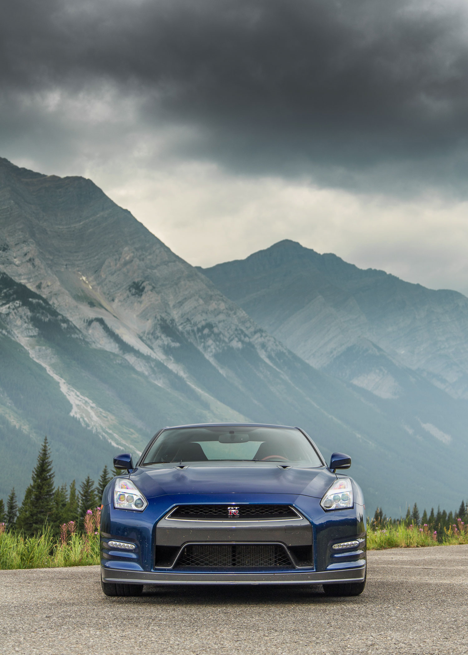 epic drives exploring alberta canada in a 2015 nissan gt r. Black Bedroom Furniture Sets. Home Design Ideas