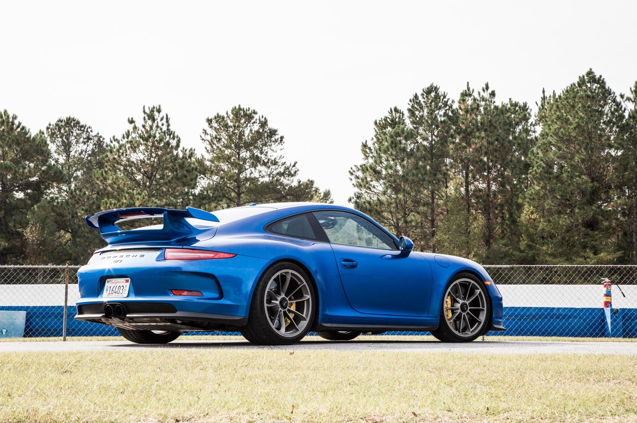 2015 porsche 911 gt3 rear three quarter1 - Porsche 911 Gt3 2015