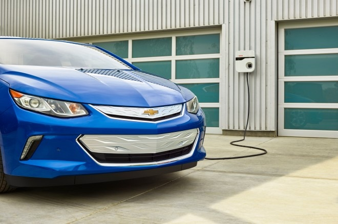 2016 Chevrolet Volt front view plugged in