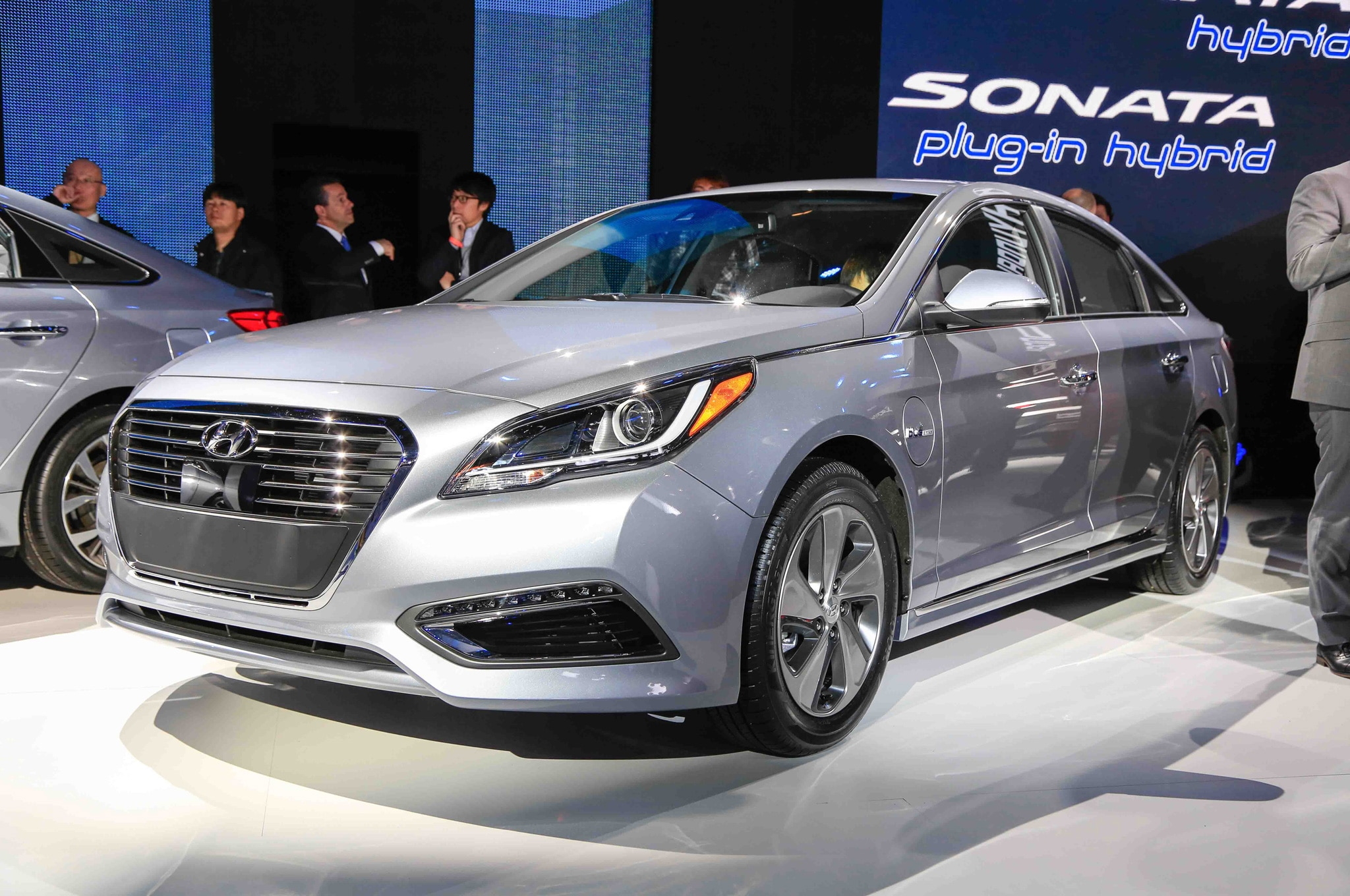 2016 hyundai sonata hybrid and plug in hybrid debut in detroit. Black Bedroom Furniture Sets. Home Design Ideas