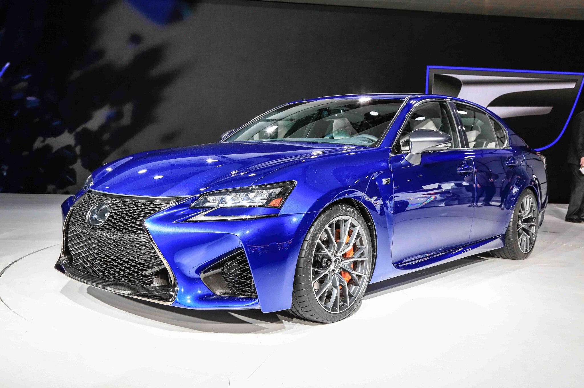 2016 Lexus GS F Front Three Quarter1