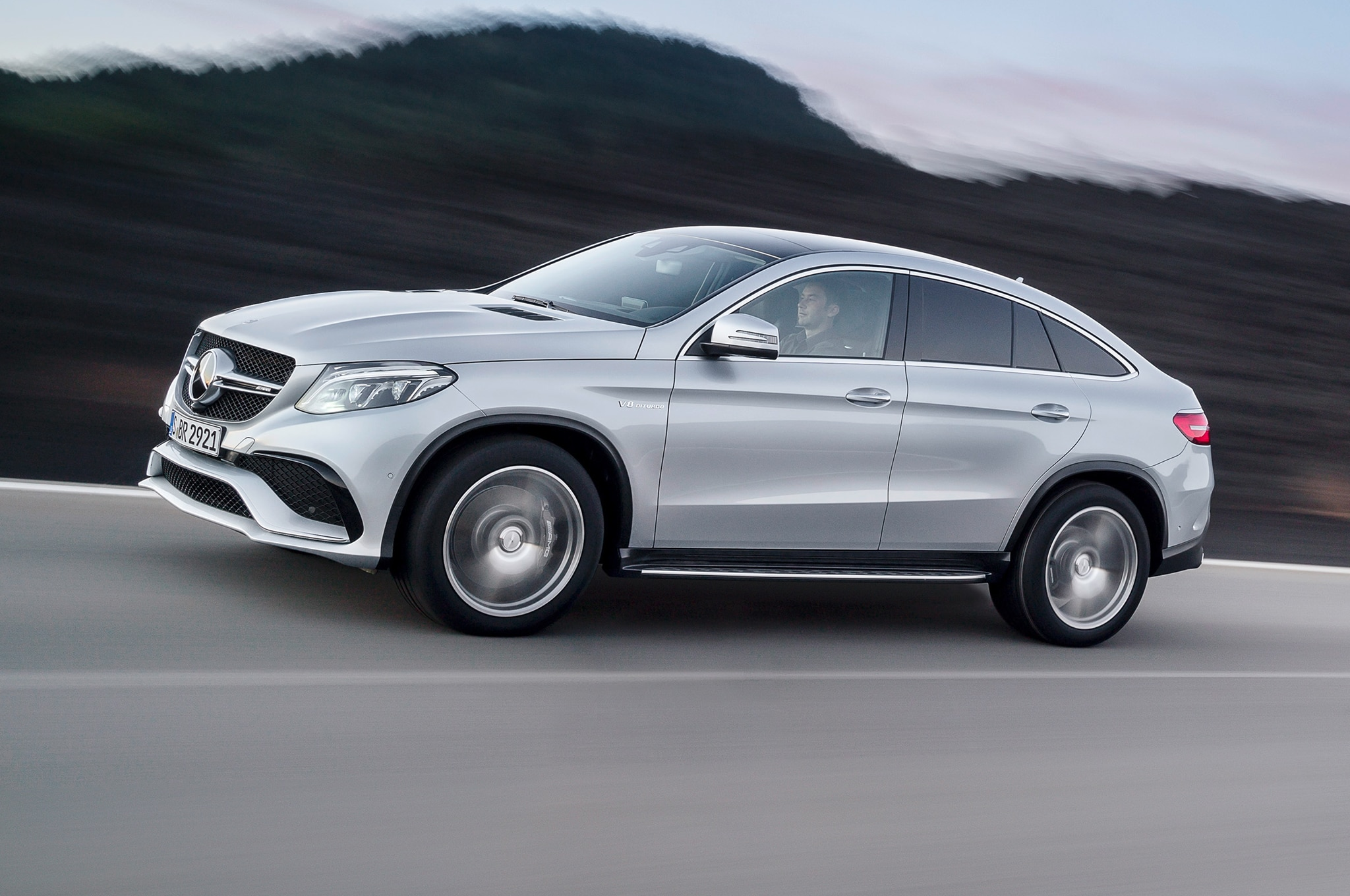 2016 mercedes amg gle63 s coupe debuts in detroit for 2016 mercedes benz ml350
