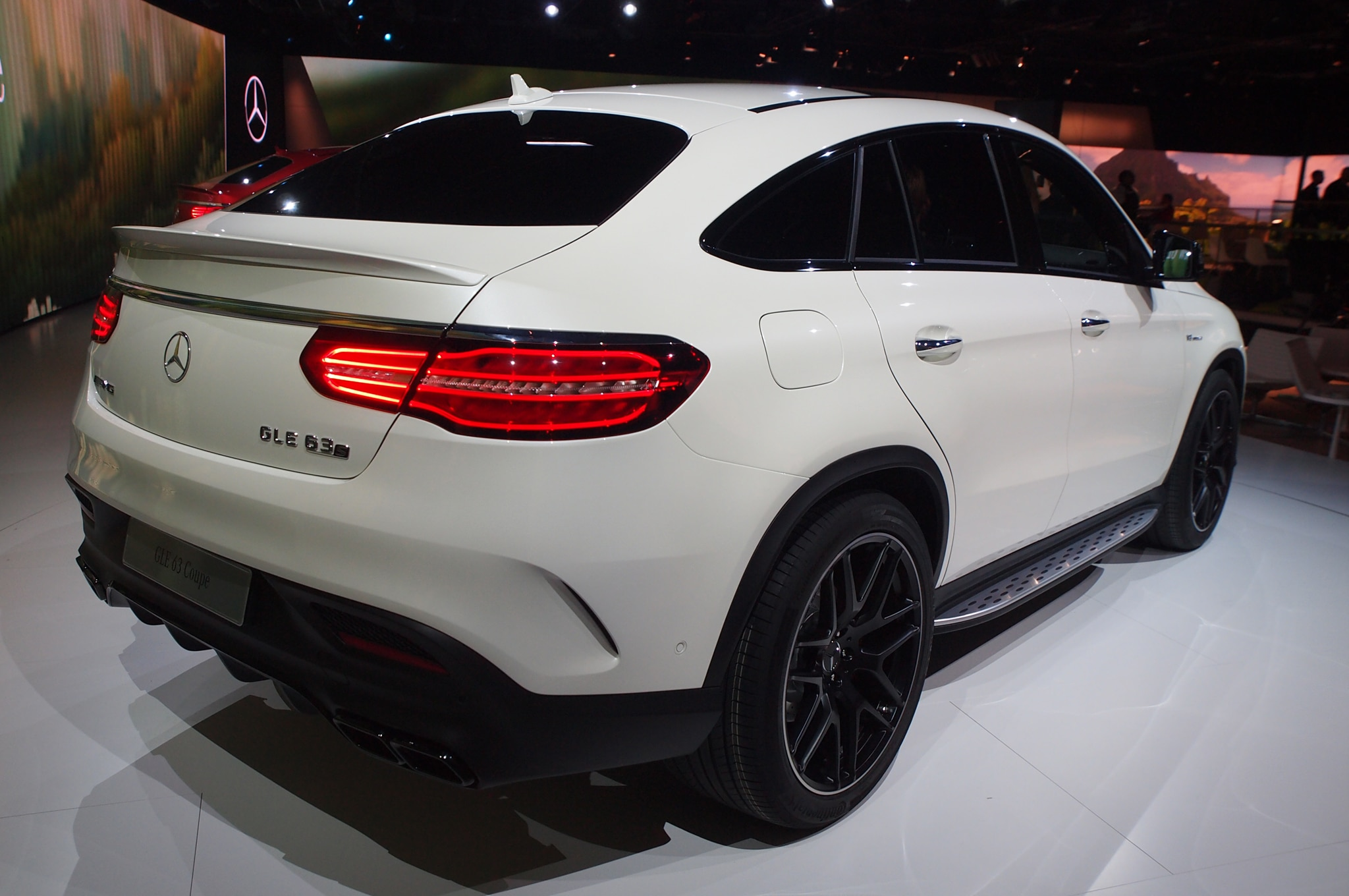2016 mercedes amg gle63 s coupe debuts in detroit. Black Bedroom Furniture Sets. Home Design Ideas