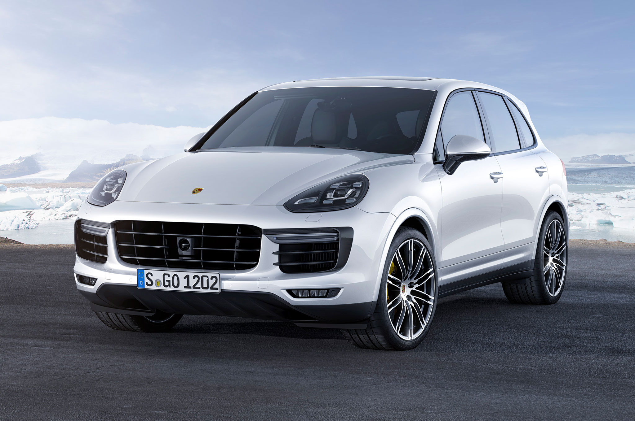 2016 porsche cayenne turbo s 911 targa gts debut in detroit. Black Bedroom Furniture Sets. Home Design Ideas
