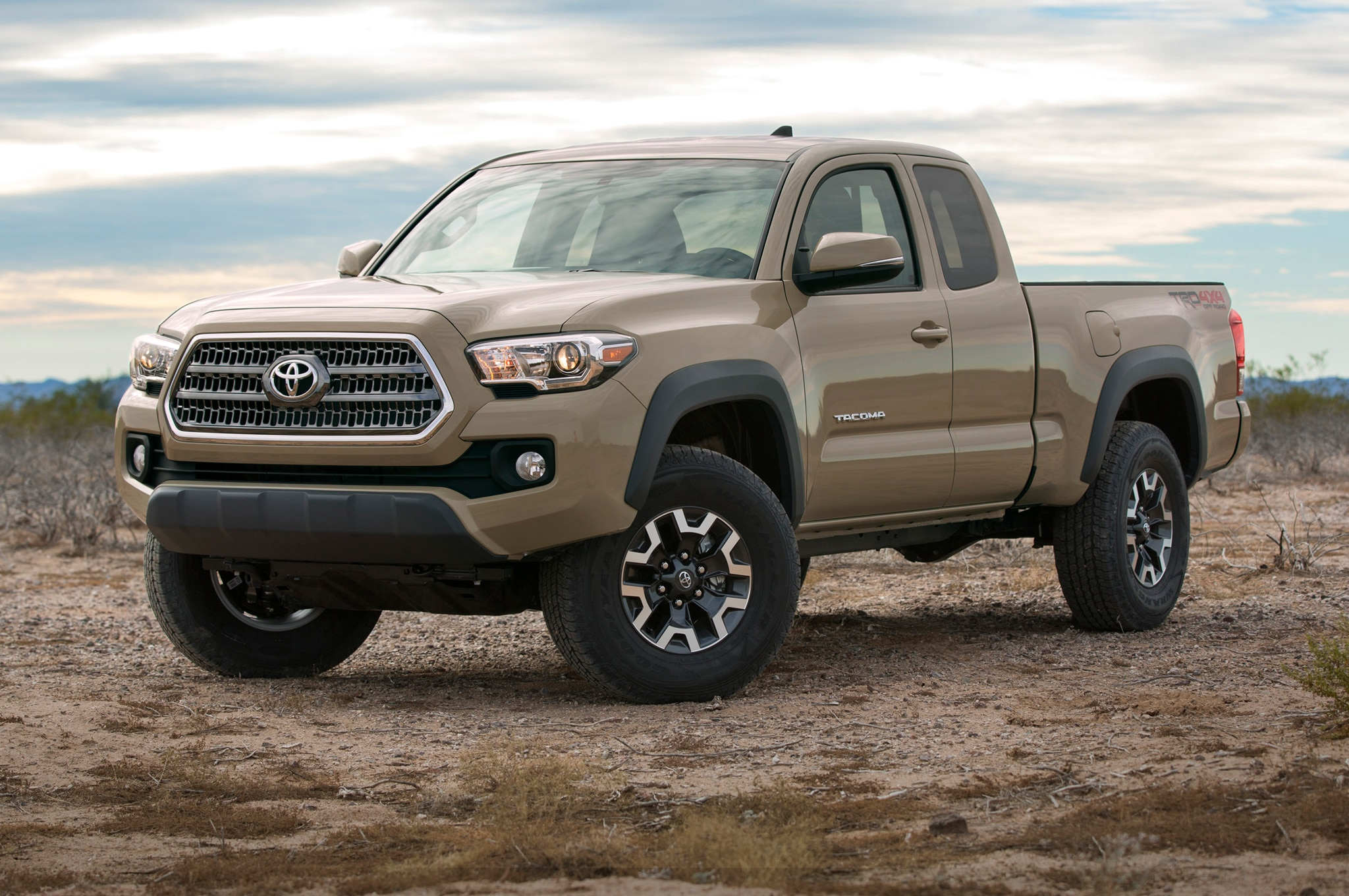 2016 toyota tacoma adds new v 6 engine six speed transmissions. Black Bedroom Furniture Sets. Home Design Ideas