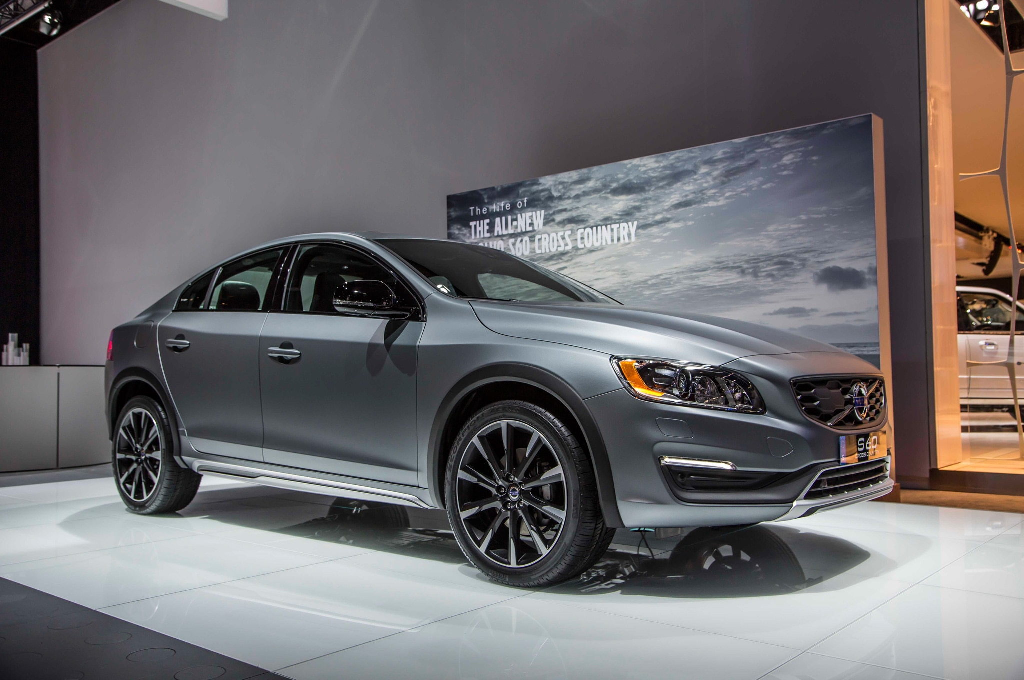 2016 volvo s60 cross country review automobile magazine. Black Bedroom Furniture Sets. Home Design Ideas