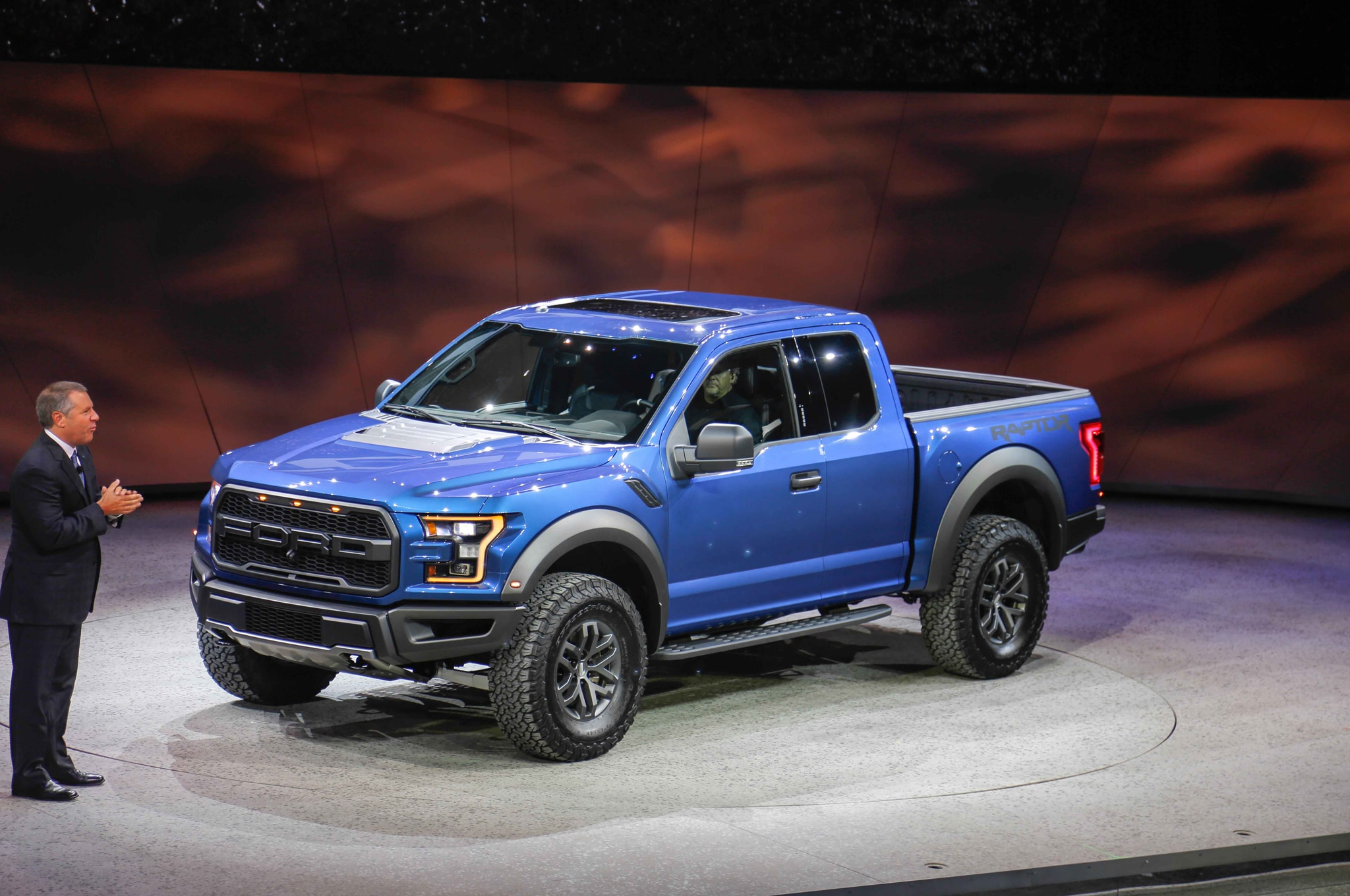 2017 Ford F-150 SVT Raptor Adds 3.5-Liter EcoBoost, 10-Speed Automatic