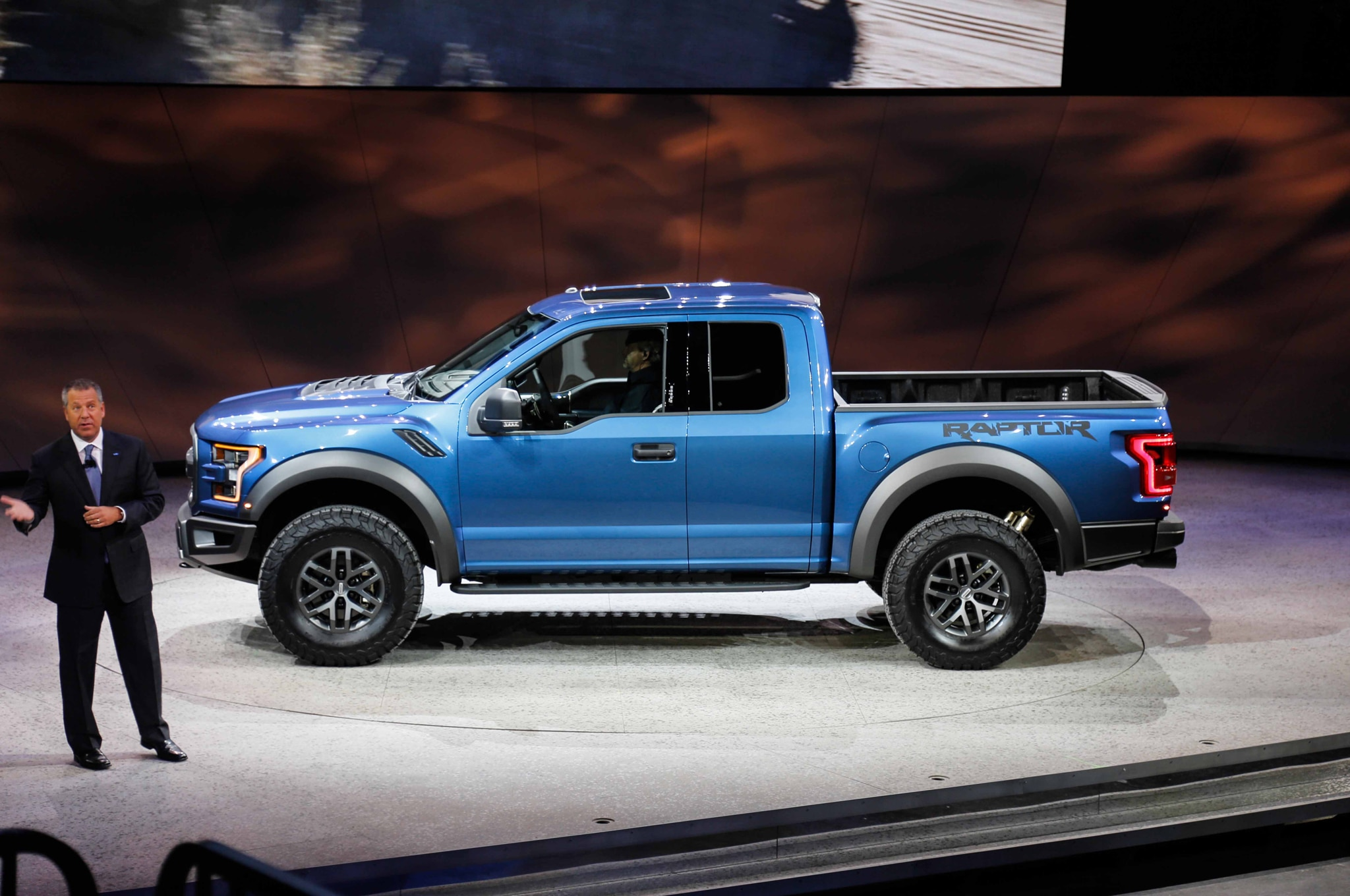 2017 ford f 150 svt raptor adds 3 5 liter ecoboost 10 speed automatic. Black Bedroom Furniture Sets. Home Design Ideas