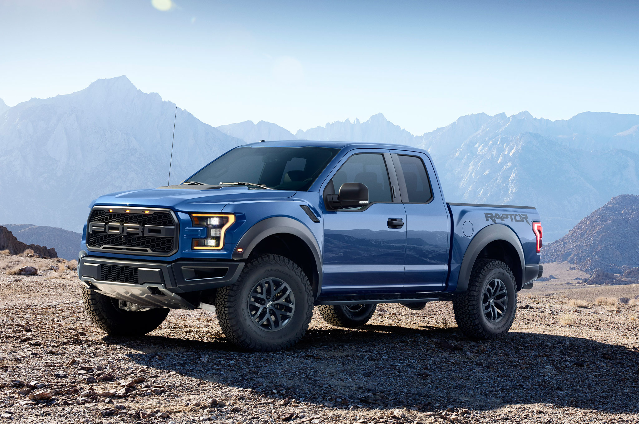 2017 Ford F 150 Raptor Left Front Angle2