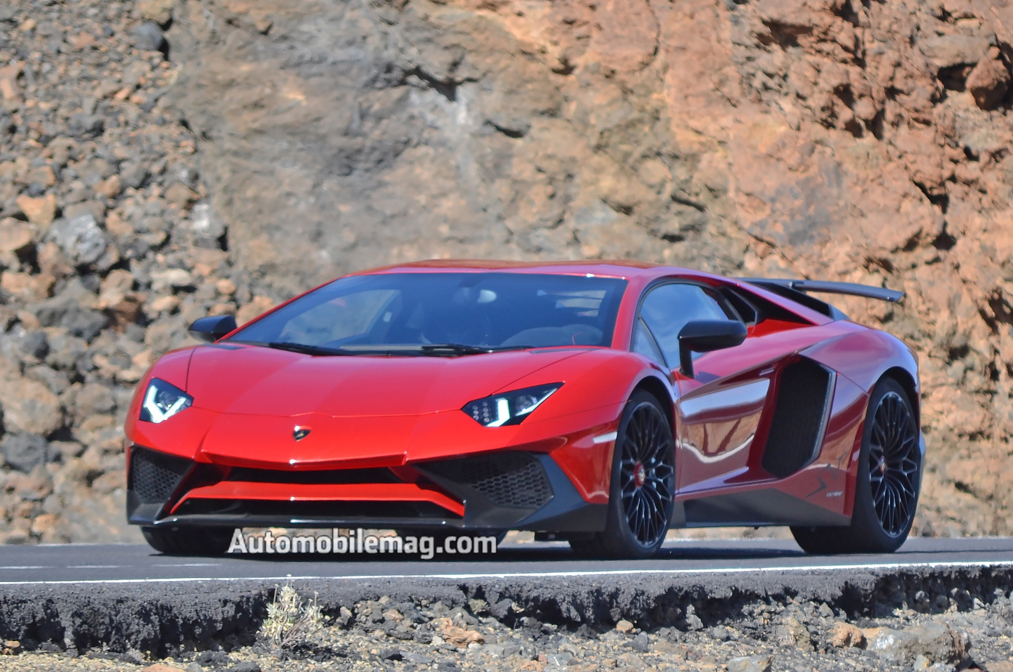 undisguised lamborghini aventador sv spied on the road. Black Bedroom Furniture Sets. Home Design Ideas