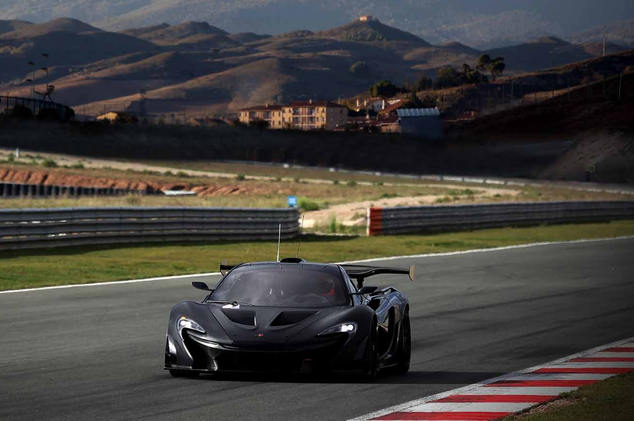 track only mclaren p1 gtr set to debut at geneva. Black Bedroom Furniture Sets. Home Design Ideas