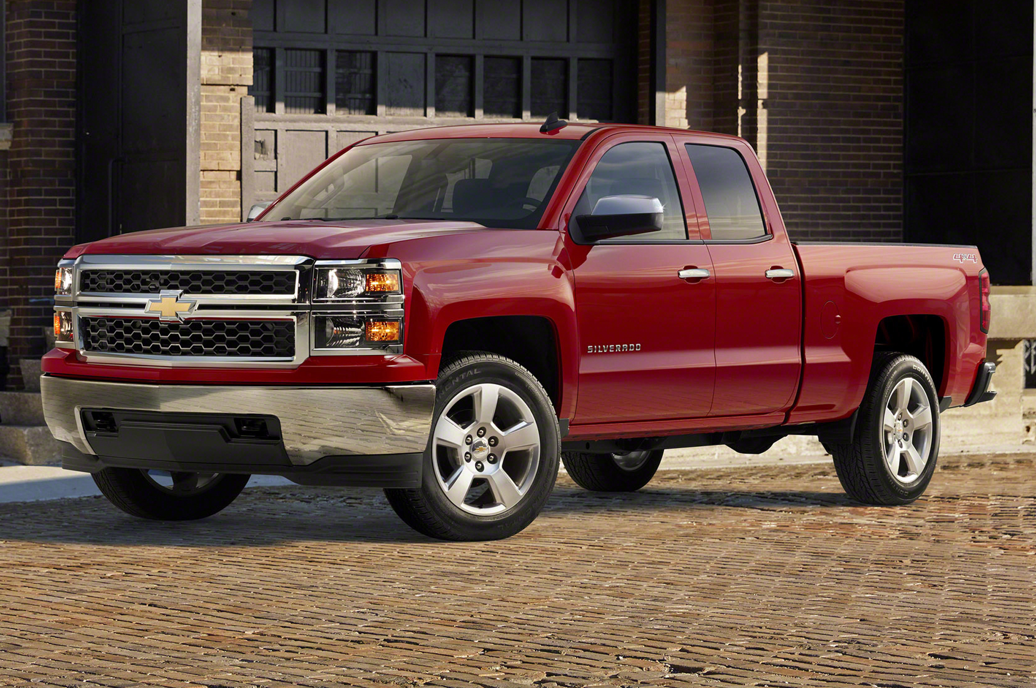 2015 chevrolet silverado custom adds 20 inch wheels chrome bumpers. Black Bedroom Furniture Sets. Home Design Ideas