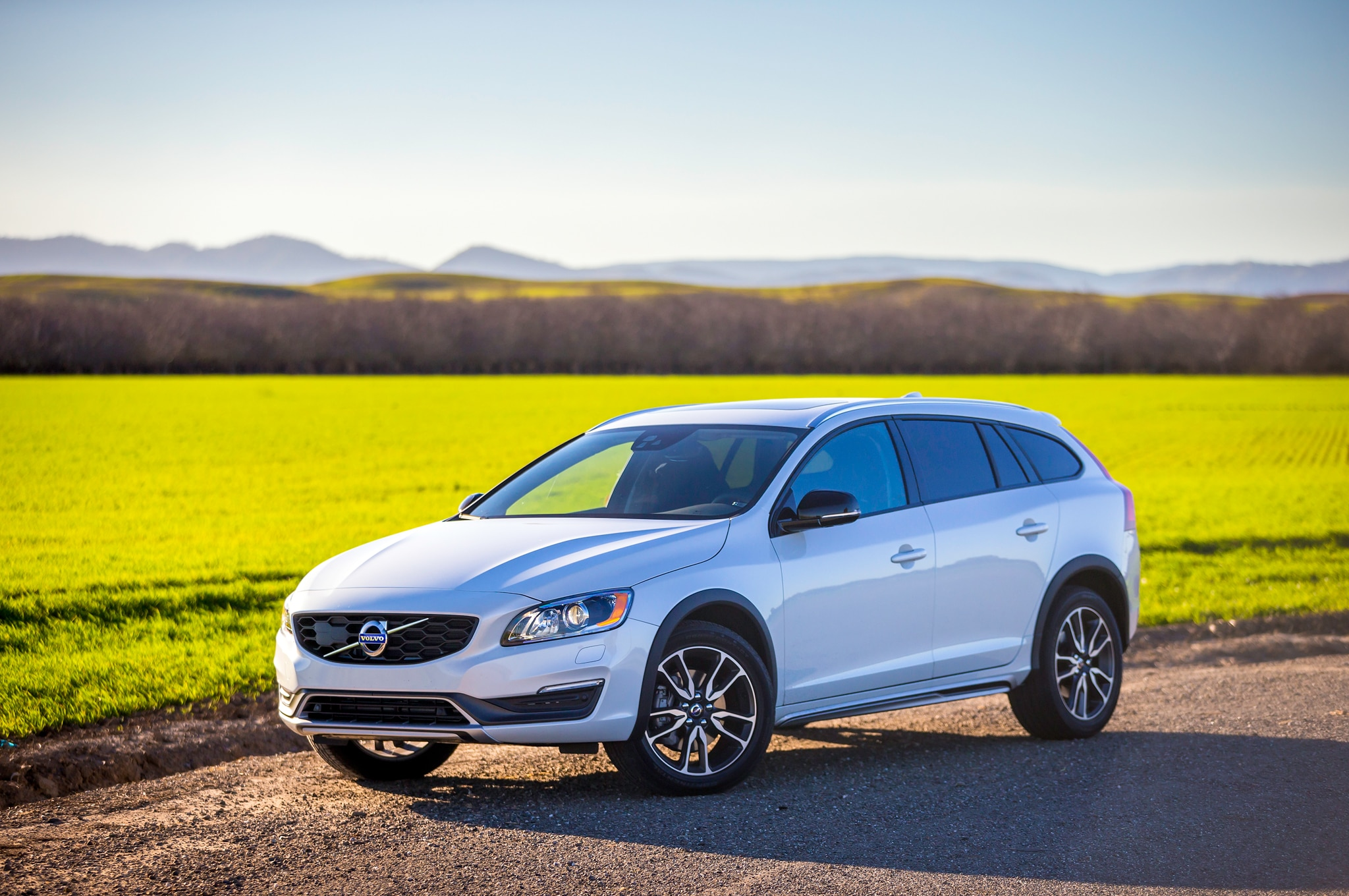 2015 volvo v60 cross country review. Black Bedroom Furniture Sets. Home Design Ideas