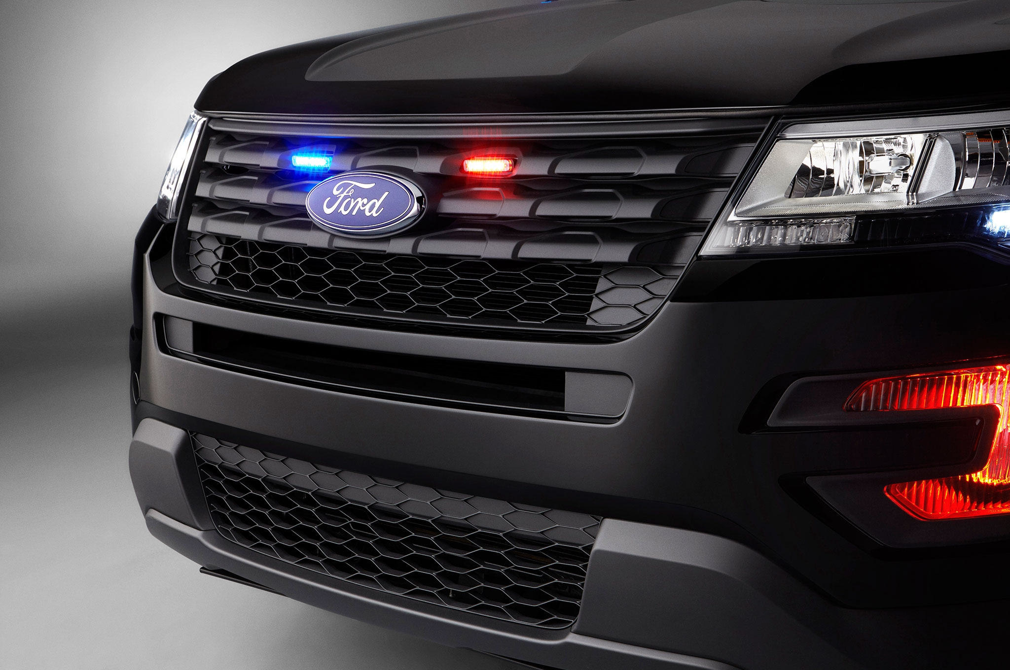 Updated 2016 Ford Police Interceptor Utility Debuts in Chicago