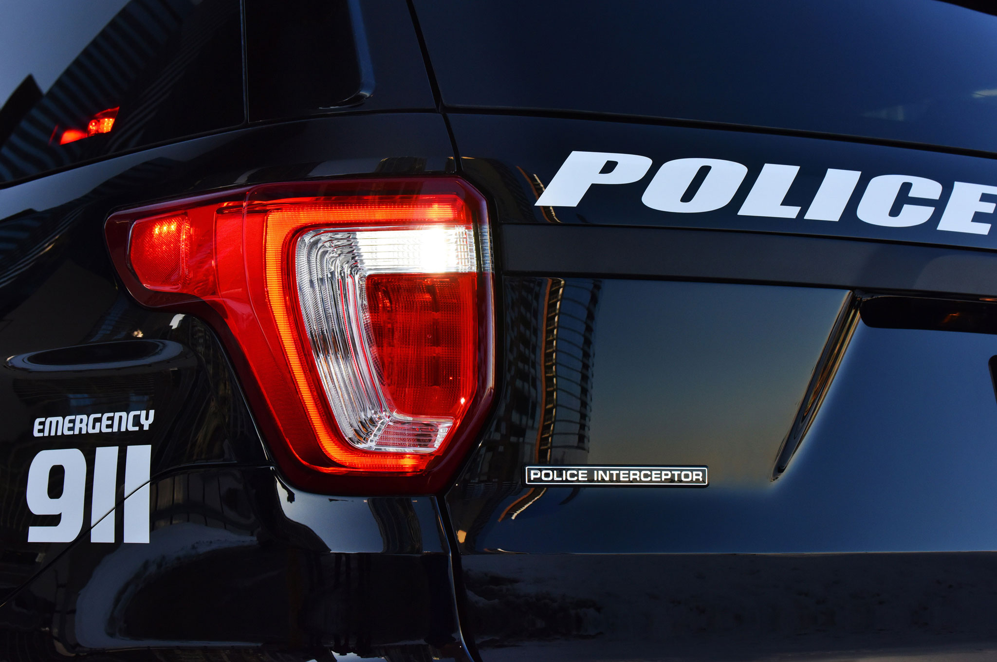 2016 Ford Police Interceptor Utility taillight 2015 ford explorer police interceptor wiring diagram dodge police Speaker Crossovers Circuit Diagrams at suagrazia.org