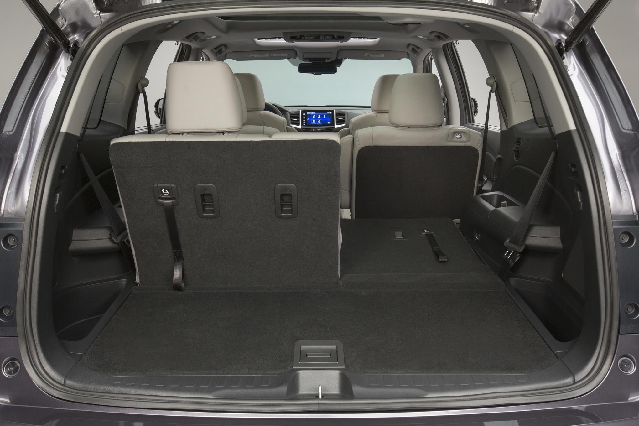 Audi truck 2016 q7 interior 3rd row seat 7