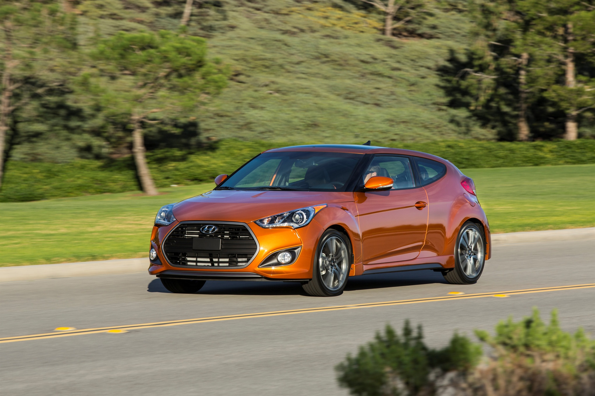 2016 hyundai veloster turbo unveiled in chicago with new 7. Black Bedroom Furniture Sets. Home Design Ideas