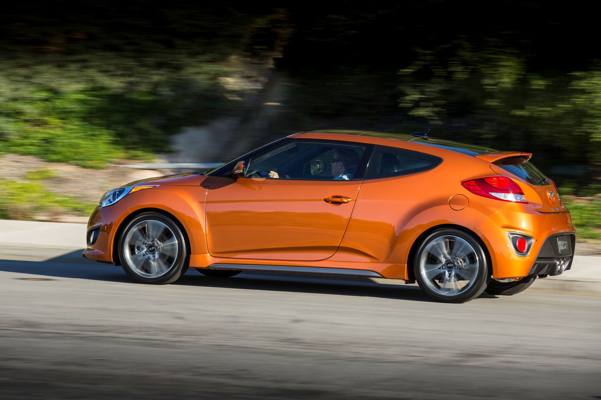 2018 Hyundai Veloster Spec >> 2016 Hyundai Veloster Turbo Unveiled in Chicago with New 7 ...