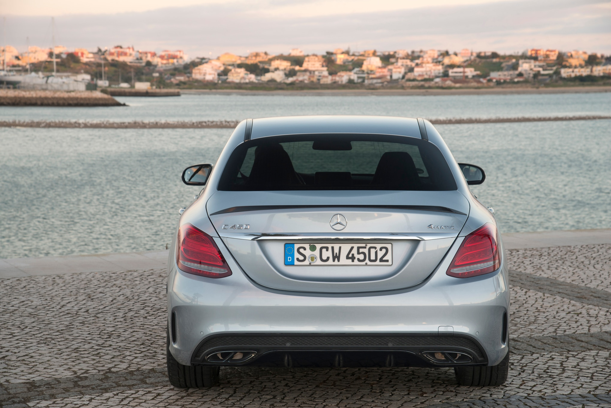 http://st.automobilemag.com/uploads/sites/11/2015/02/2016-Mercedes-Benz-C450-AMG-4Matic-rear-end.jpg