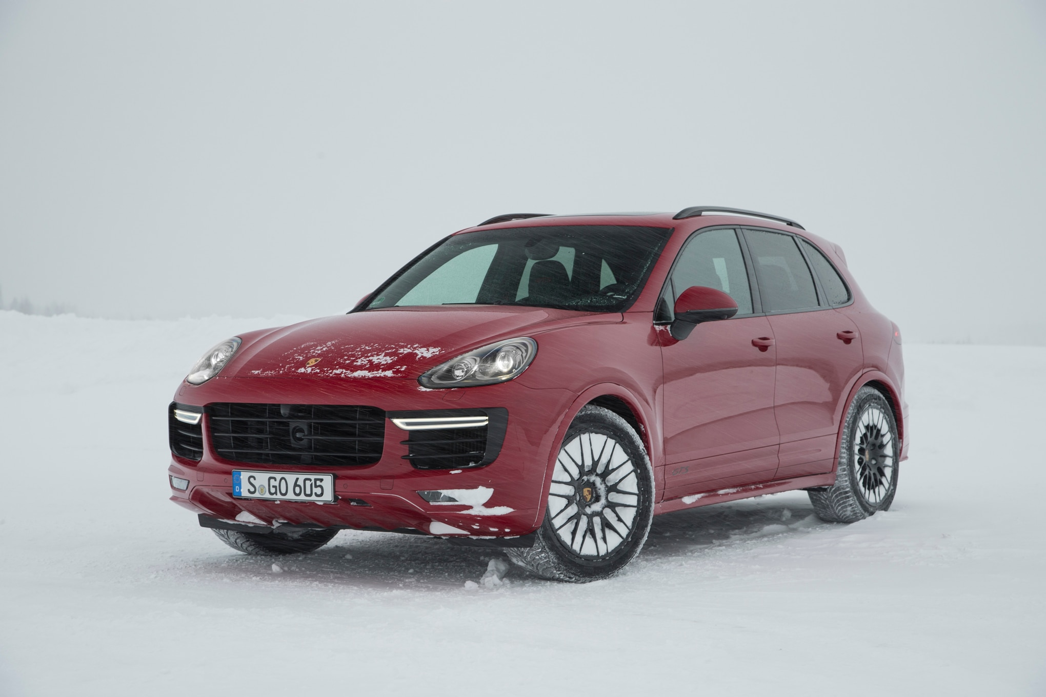 2016 porsche cayenne gts turbo s review. Black Bedroom Furniture Sets. Home Design Ideas