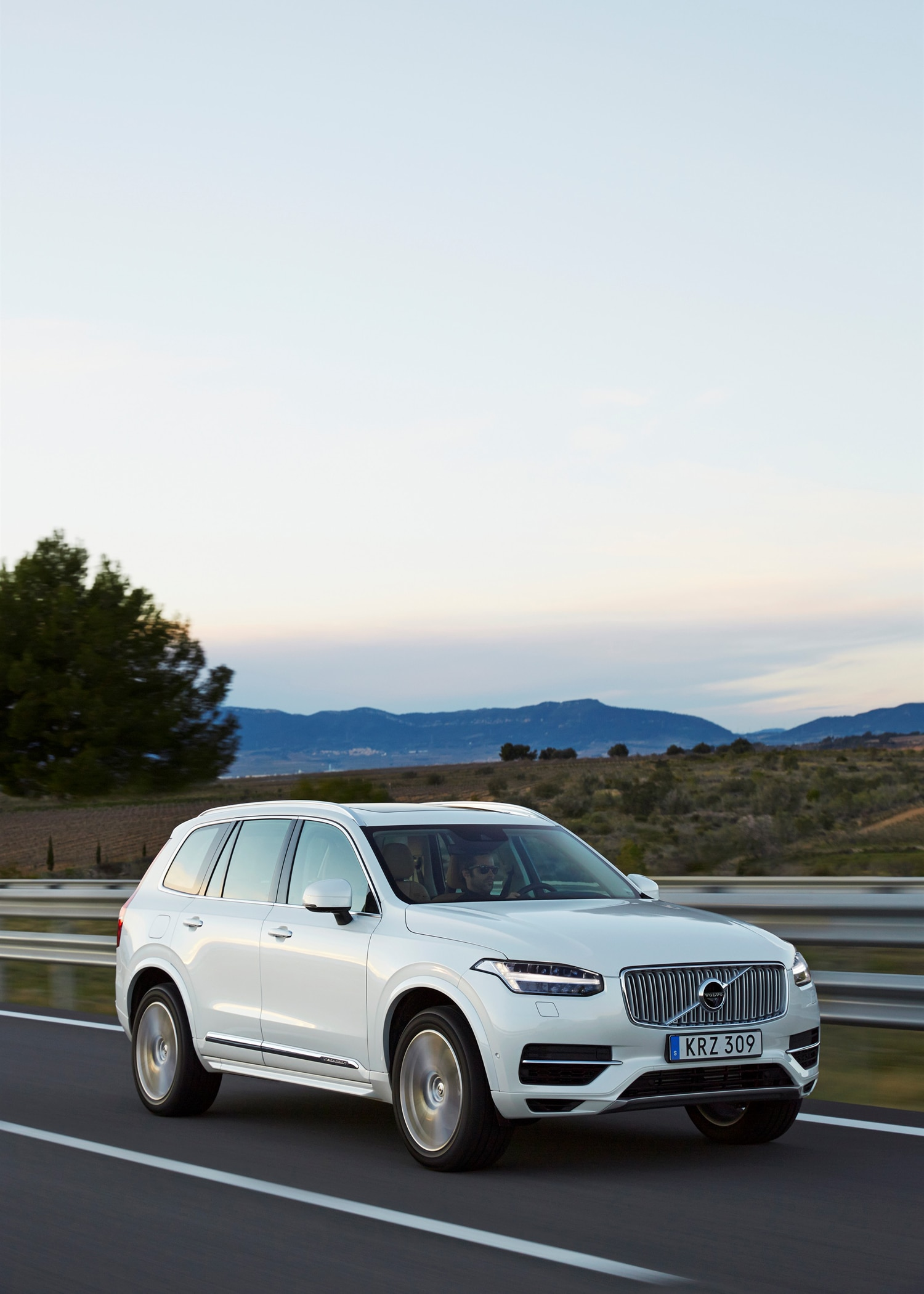 volvo xc90 t8 hybrid gets polestar performance. Black Bedroom Furniture Sets. Home Design Ideas