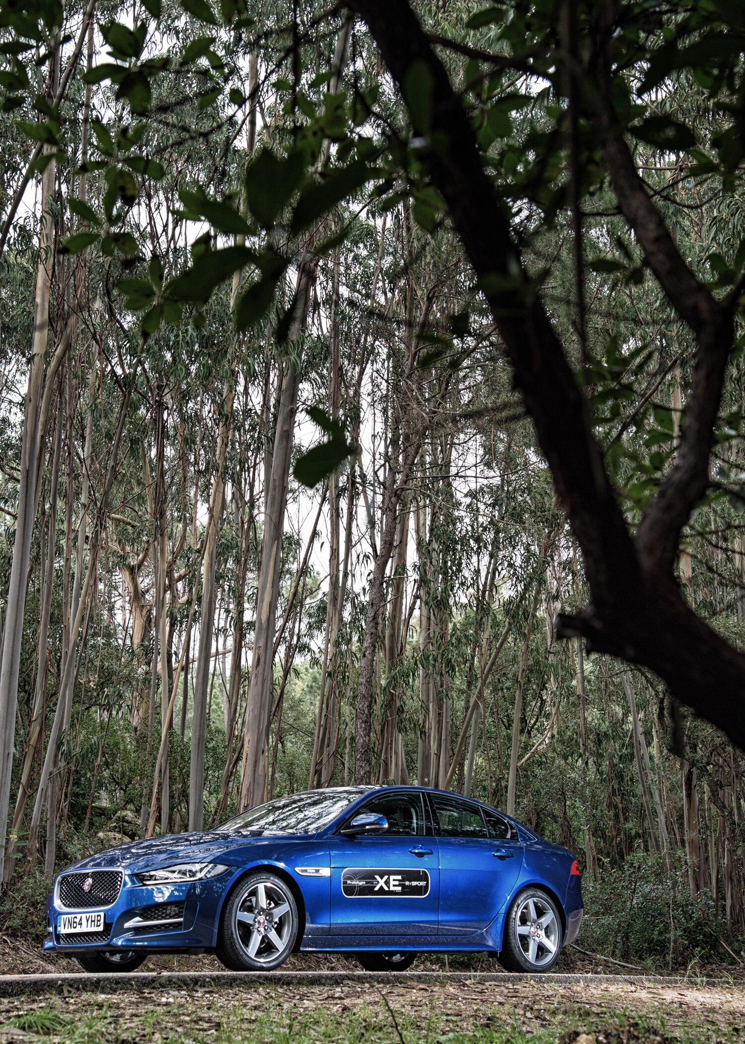 2017 jaguar xe first drive review automobile magazine. Black Bedroom Furniture Sets. Home Design Ideas