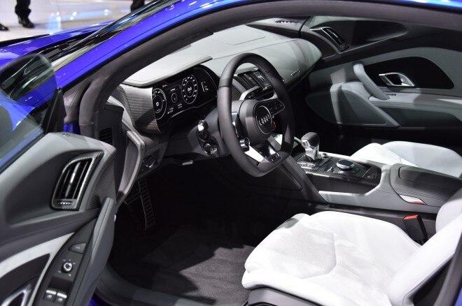 Audi R8 e tron cockpit