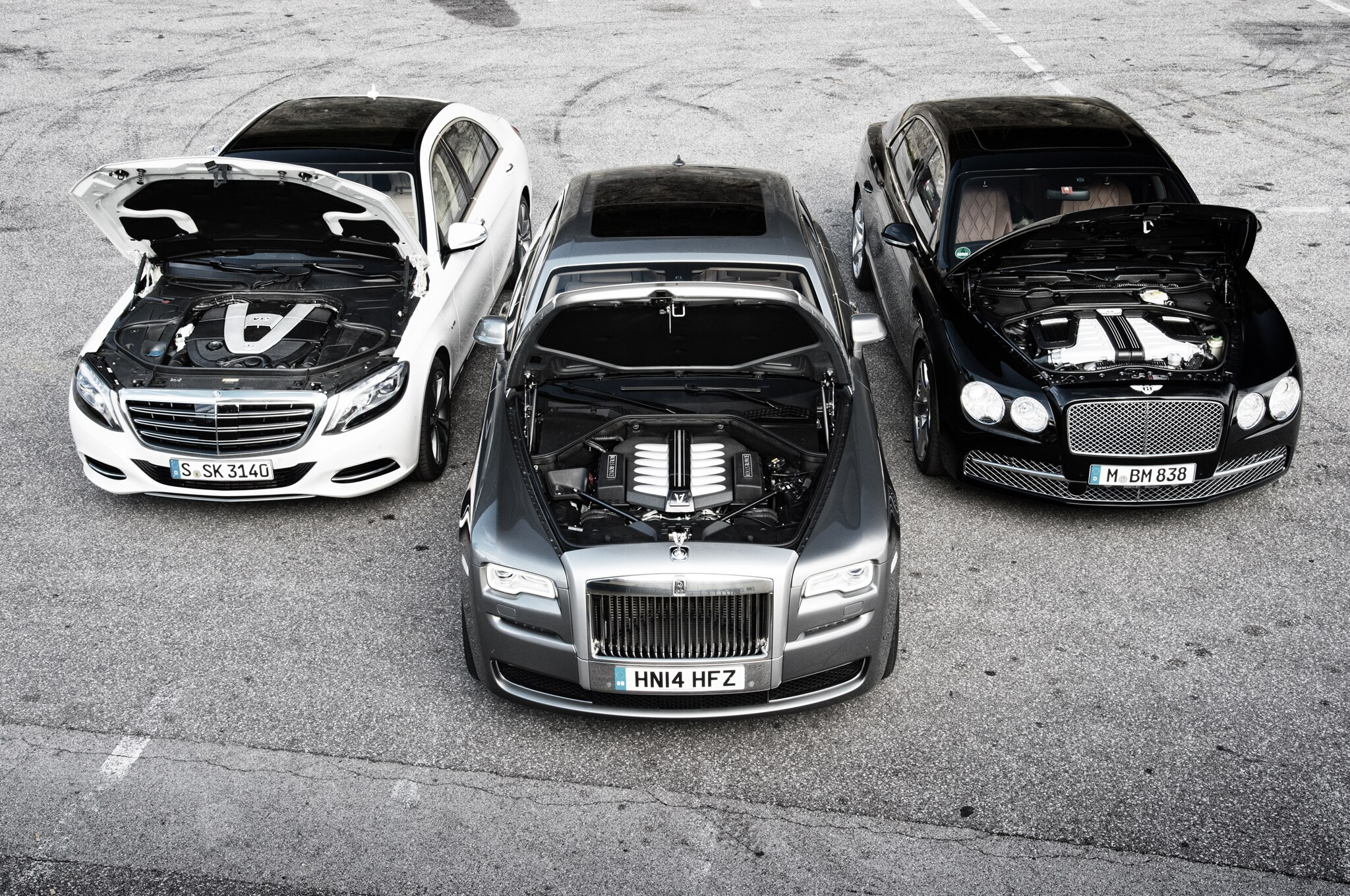 Bentley flying spur vs mercedes benz s600 vs rolls royce for Mercedes benz royale 600 price