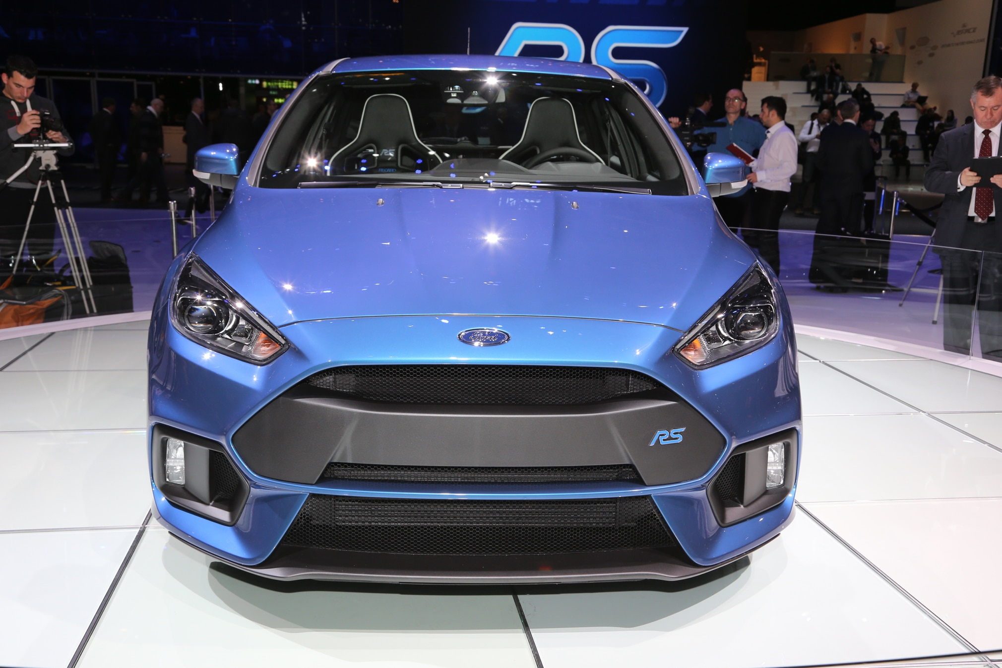 ford performance vehicles to feature new focus rs awd system. Black Bedroom Furniture Sets. Home Design Ideas
