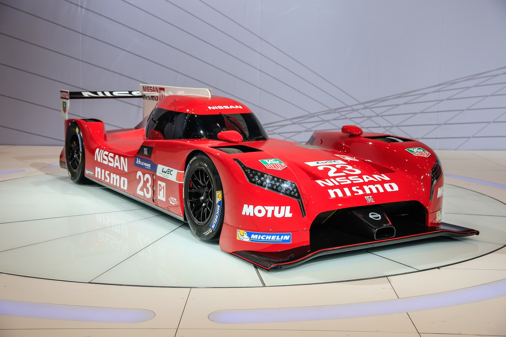 nissan gt r lm nismo is fwd for now headed to le mans. Black Bedroom Furniture Sets. Home Design Ideas