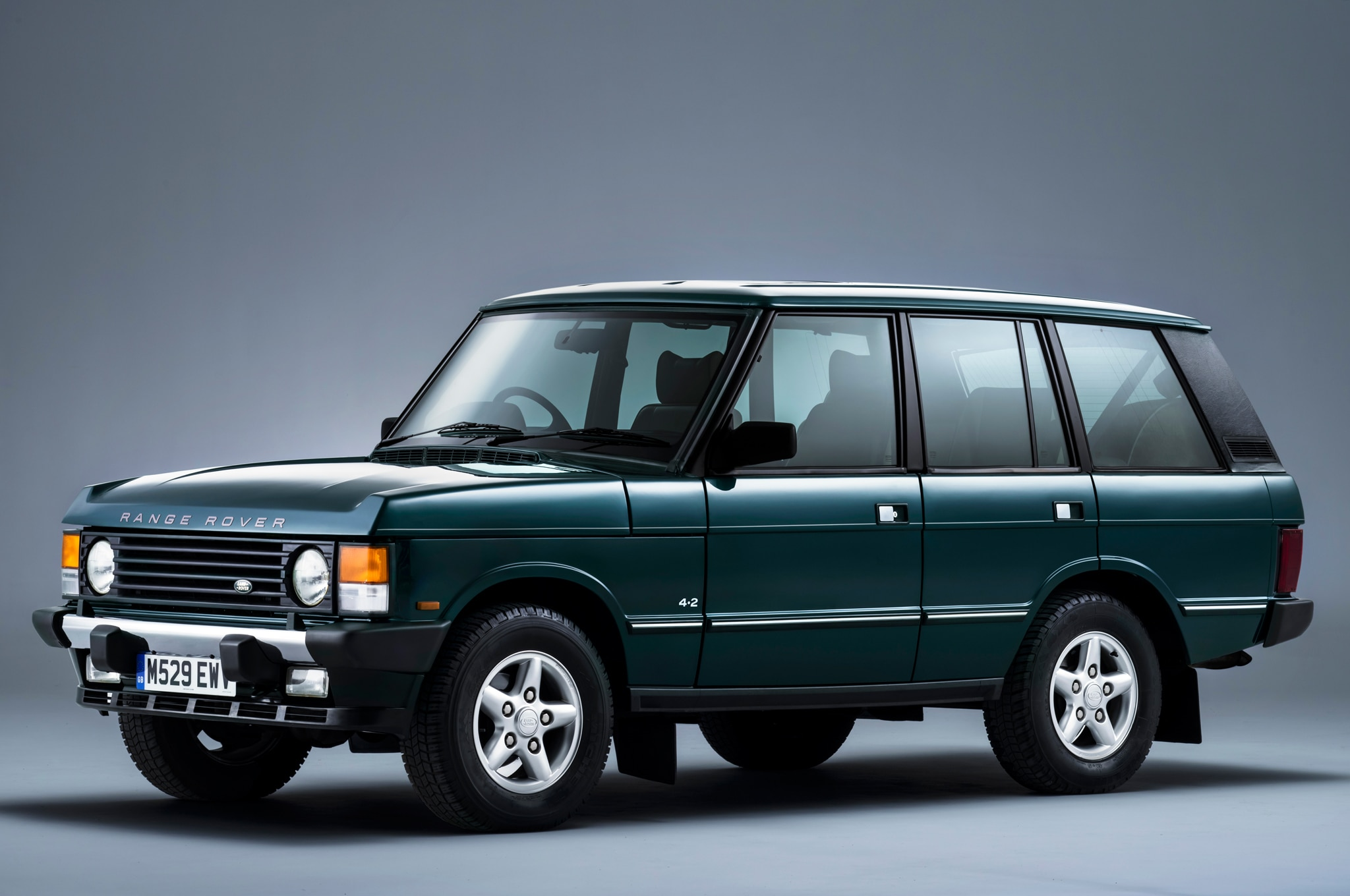 range rover autobiography edition celebrates 21 years. Black Bedroom Furniture Sets. Home Design Ideas