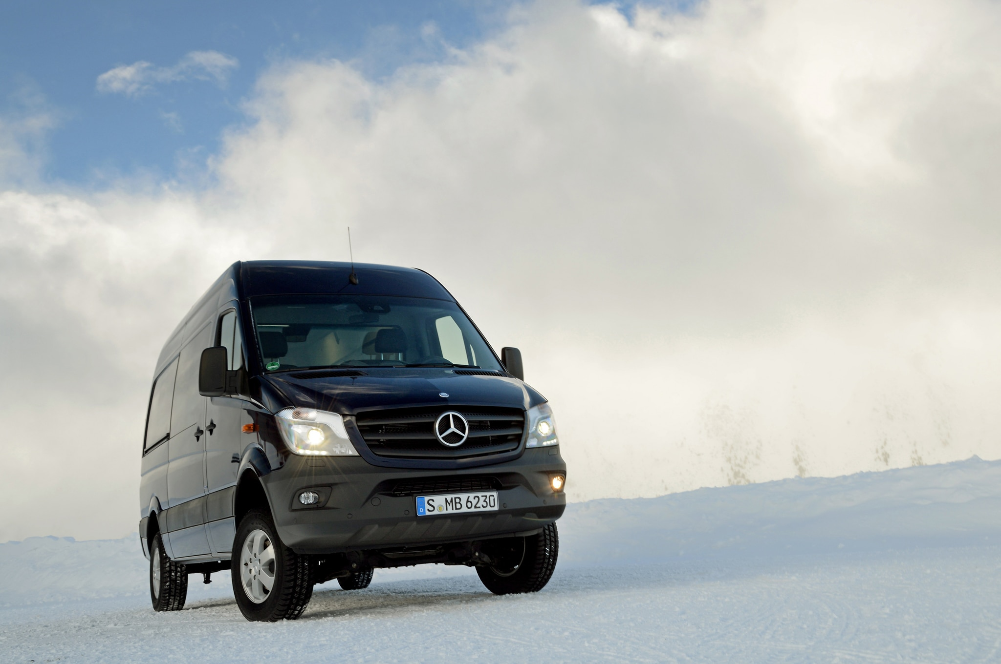 2014 Mercedes Benz Sprinter 4x4 Right Front Angle