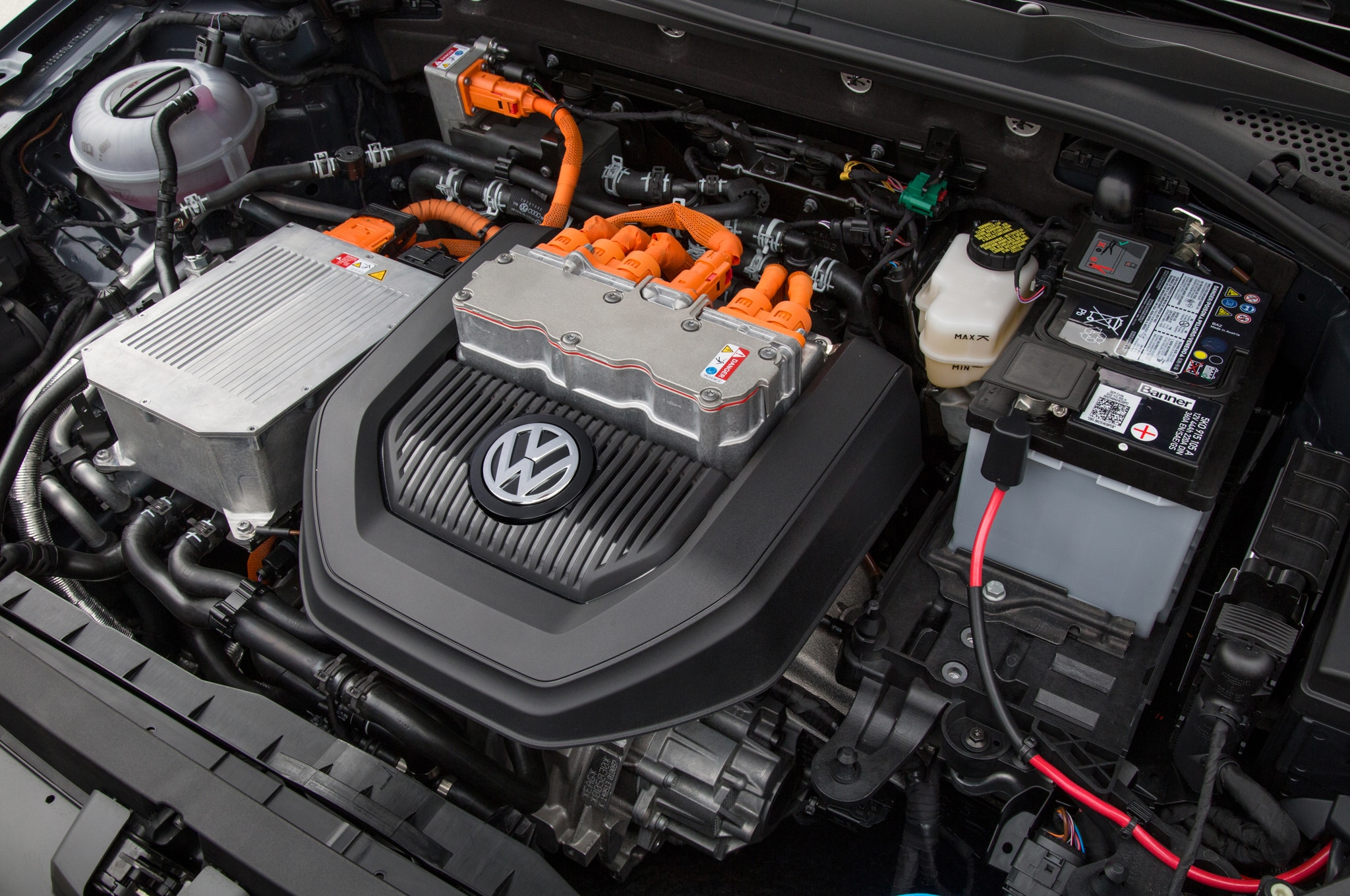 2015 Volkswagen e-Golf Gets $1,995 Price Cut with New Trim ...