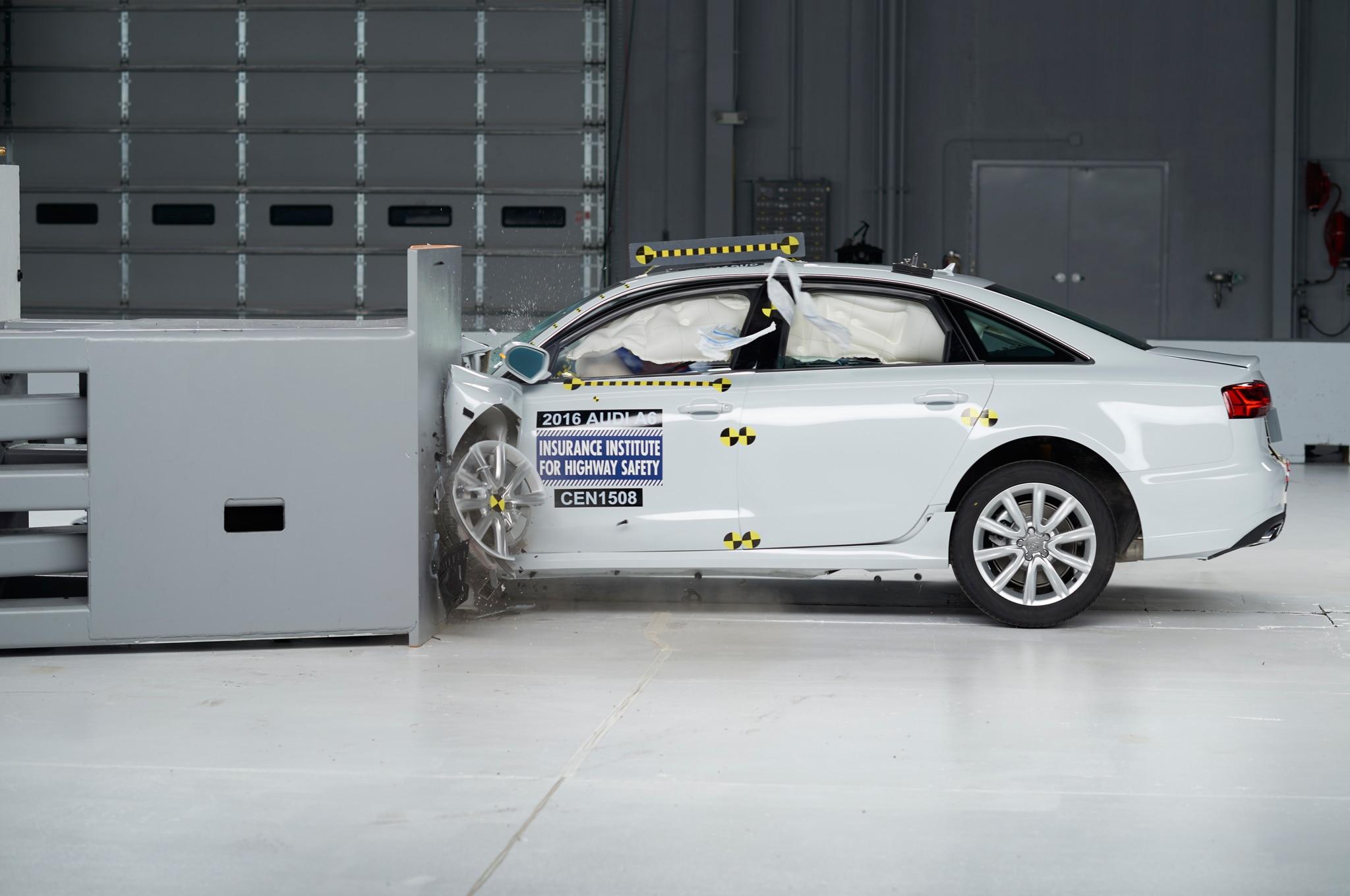 2016 Audi A6 IIHS Testing Front Crash