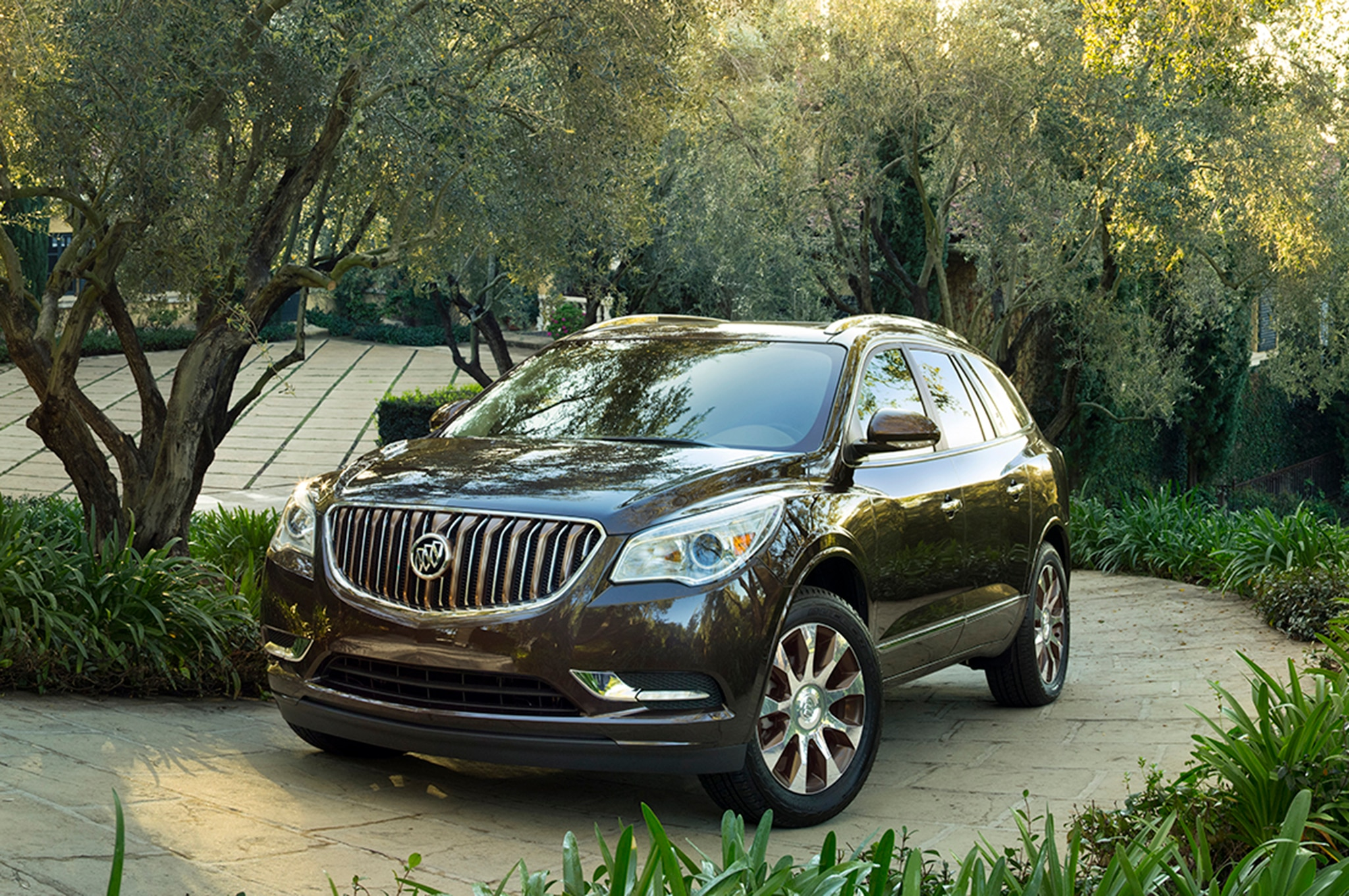 2018 buick enclave gets new grille and curvaceous. Black Bedroom Furniture Sets. Home Design Ideas