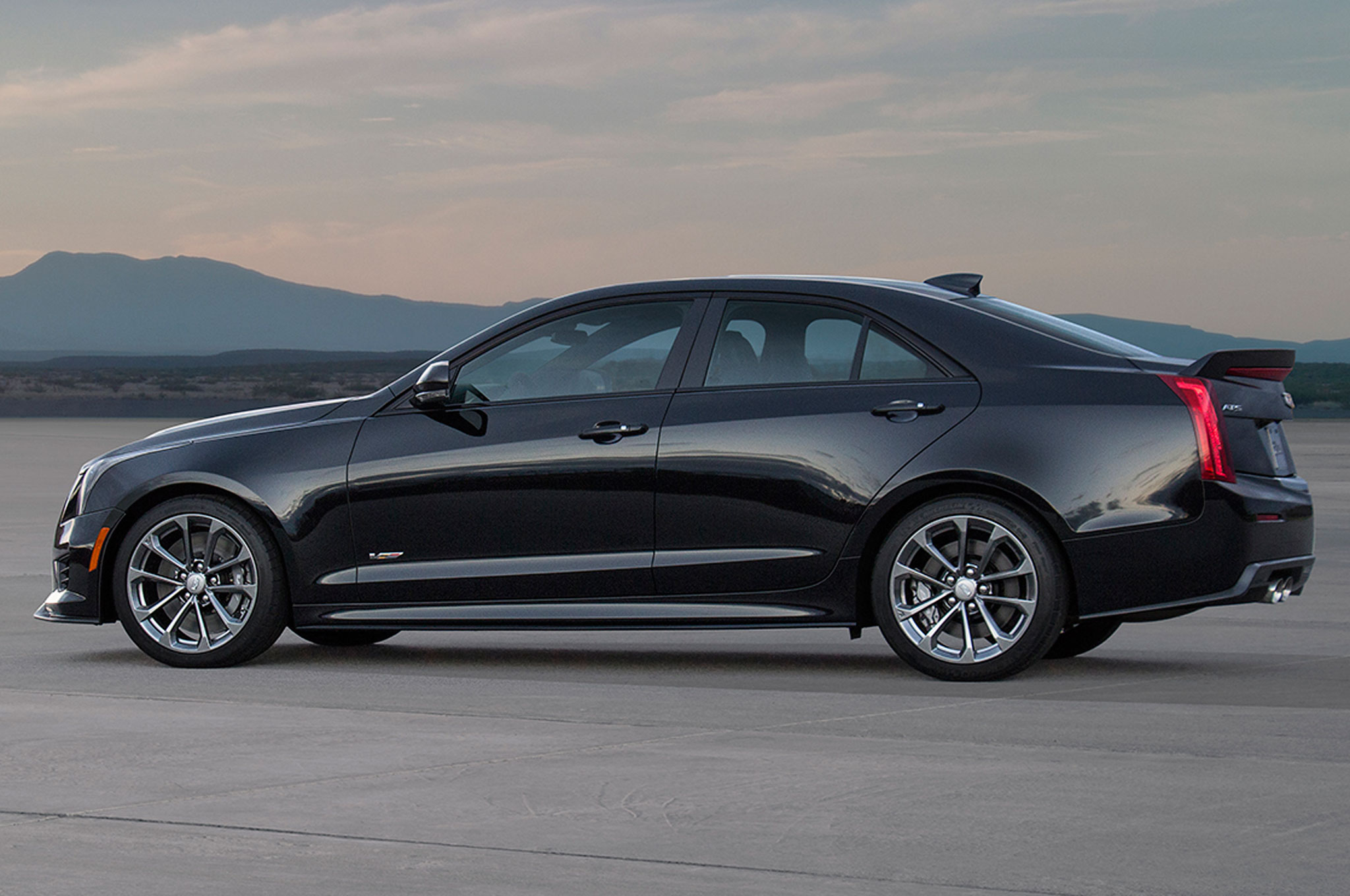 2016 cadillac ats v horsepower sae rated at 464 hp. Black Bedroom Furniture Sets. Home Design Ideas