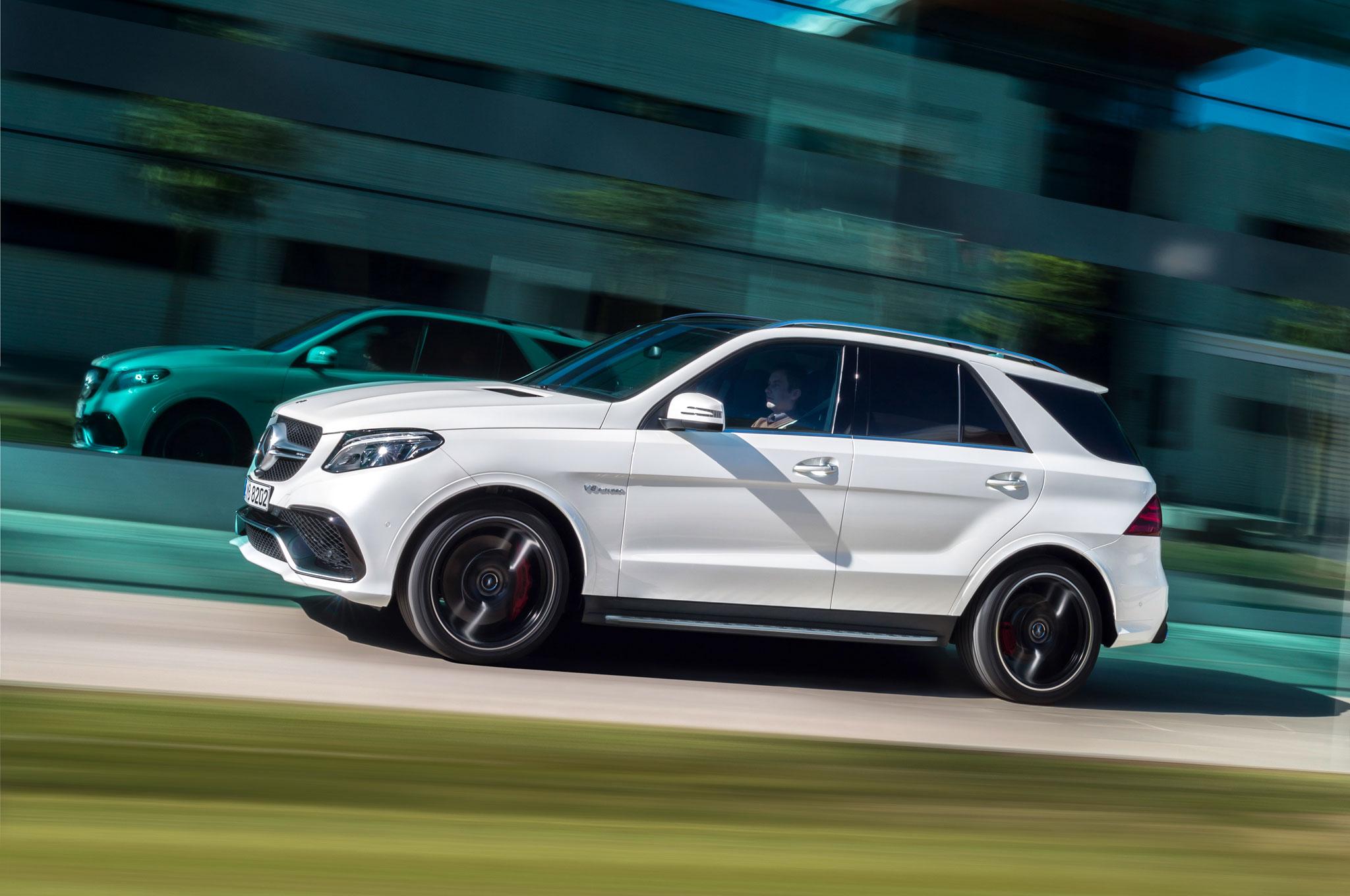 http://st.automobilemag.com/uploads/sites/11/2015/03/2016-Mercedes-Benz-GLE63-AMG-S-side-in-motion-02.jpg