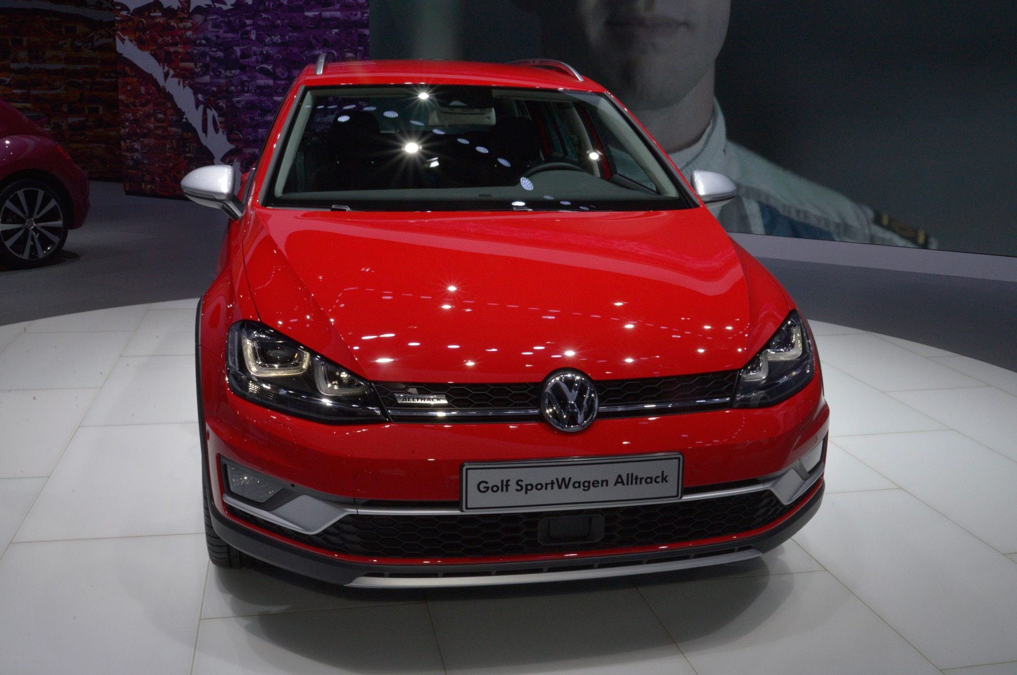 2017 volkswagen golf sportwagen alltrack revealed for u s market. Black Bedroom Furniture Sets. Home Design Ideas