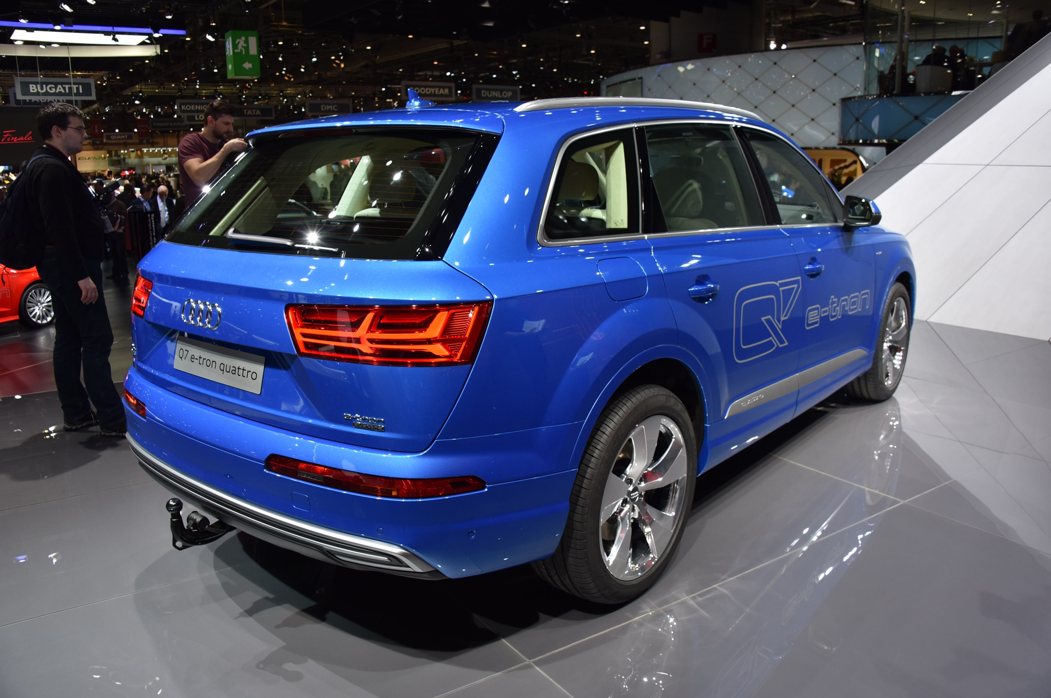 report audi q7 e tron plug in coming to u s with gas engine. Black Bedroom Furniture Sets. Home Design Ideas