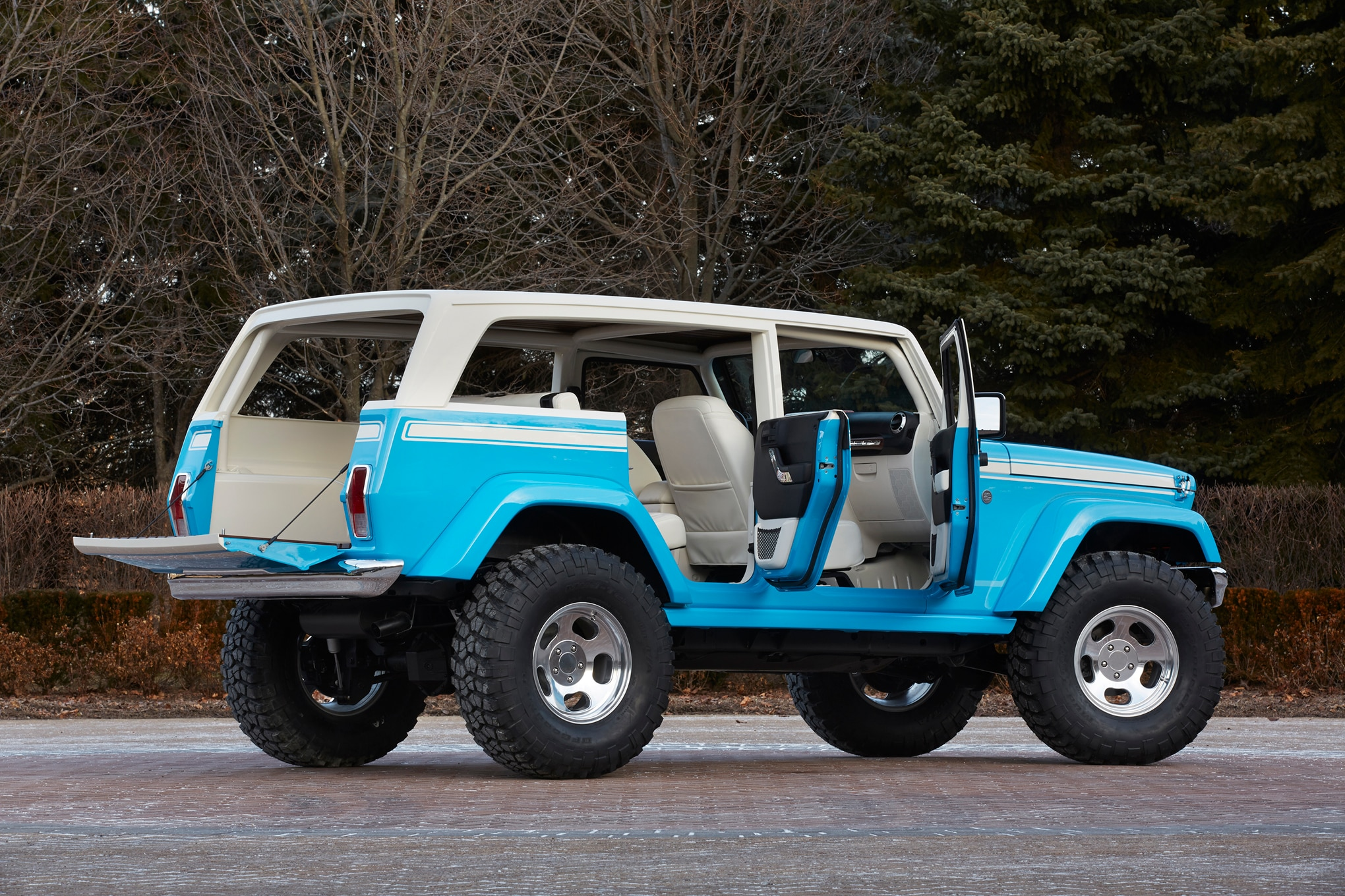 Bike Rack For Jeep Renegade >> Jeep Reveals 2015 Moab Concept Vehicles