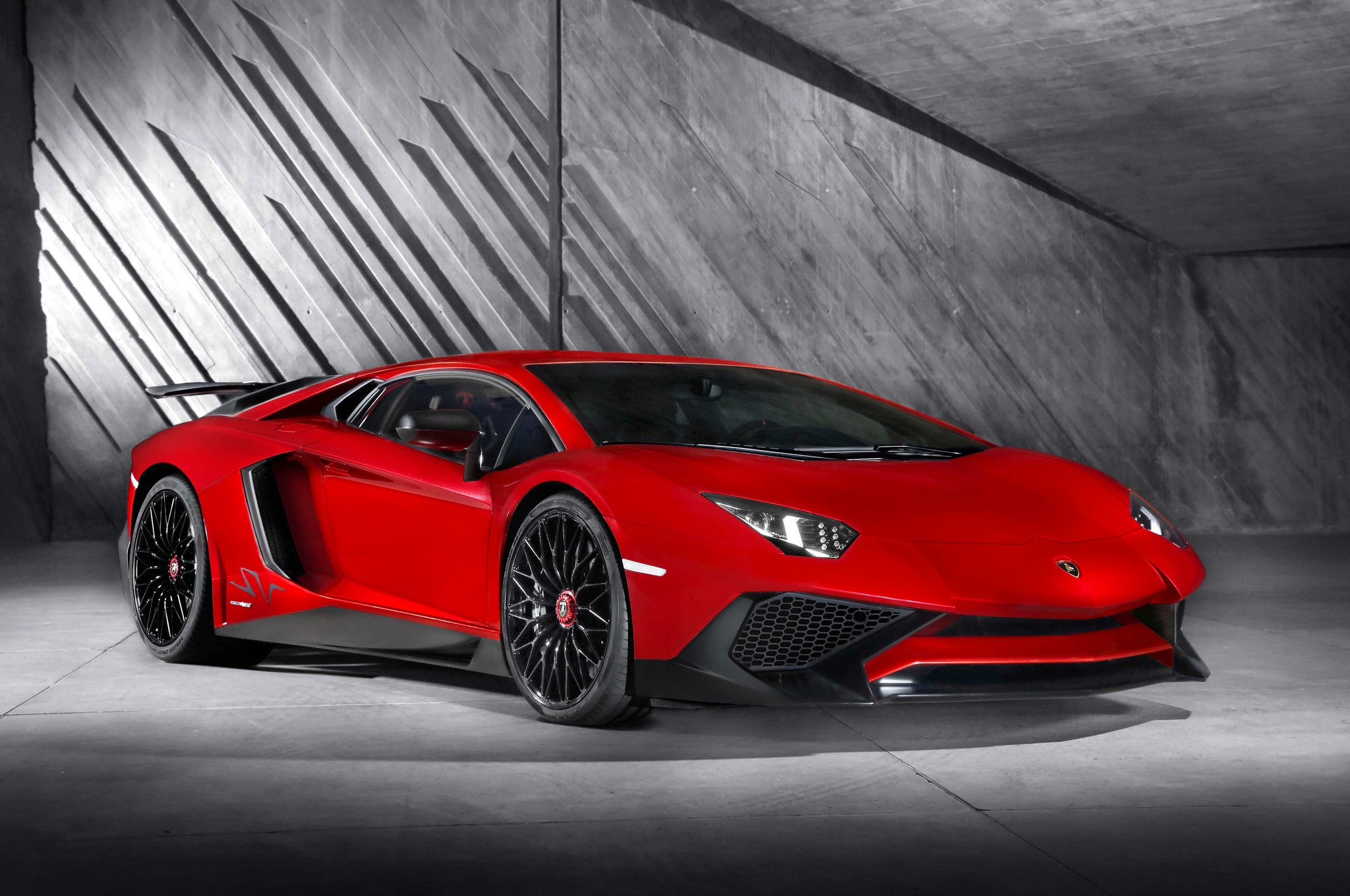 lamborghini aventador lp750 4 sv debuts with 740 hp photo gallery. Black Bedroom Furniture Sets. Home Design Ideas